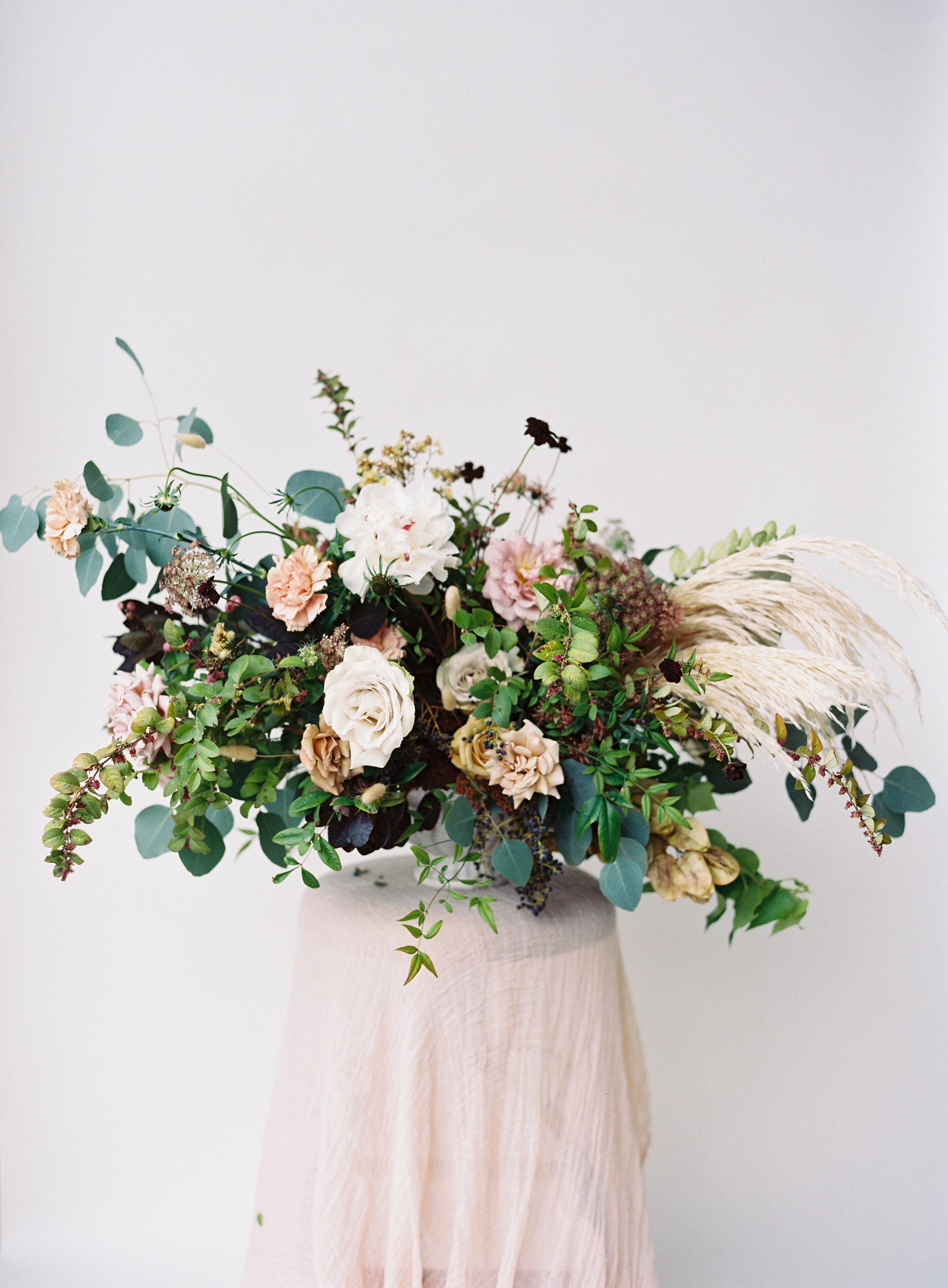 siren-floral-co-plenty-of-petals-romantik-floral-centerpiece-workshop-11.jpg
