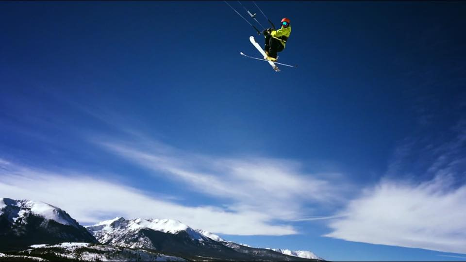 Snow kiting getting huge airs
