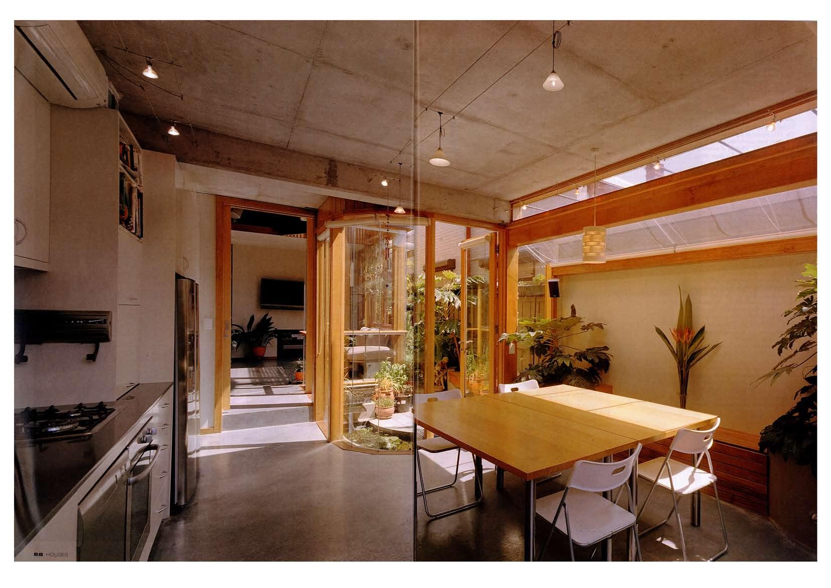 2007_Houses Magazine_Urban Jungle_Page_4.jpg