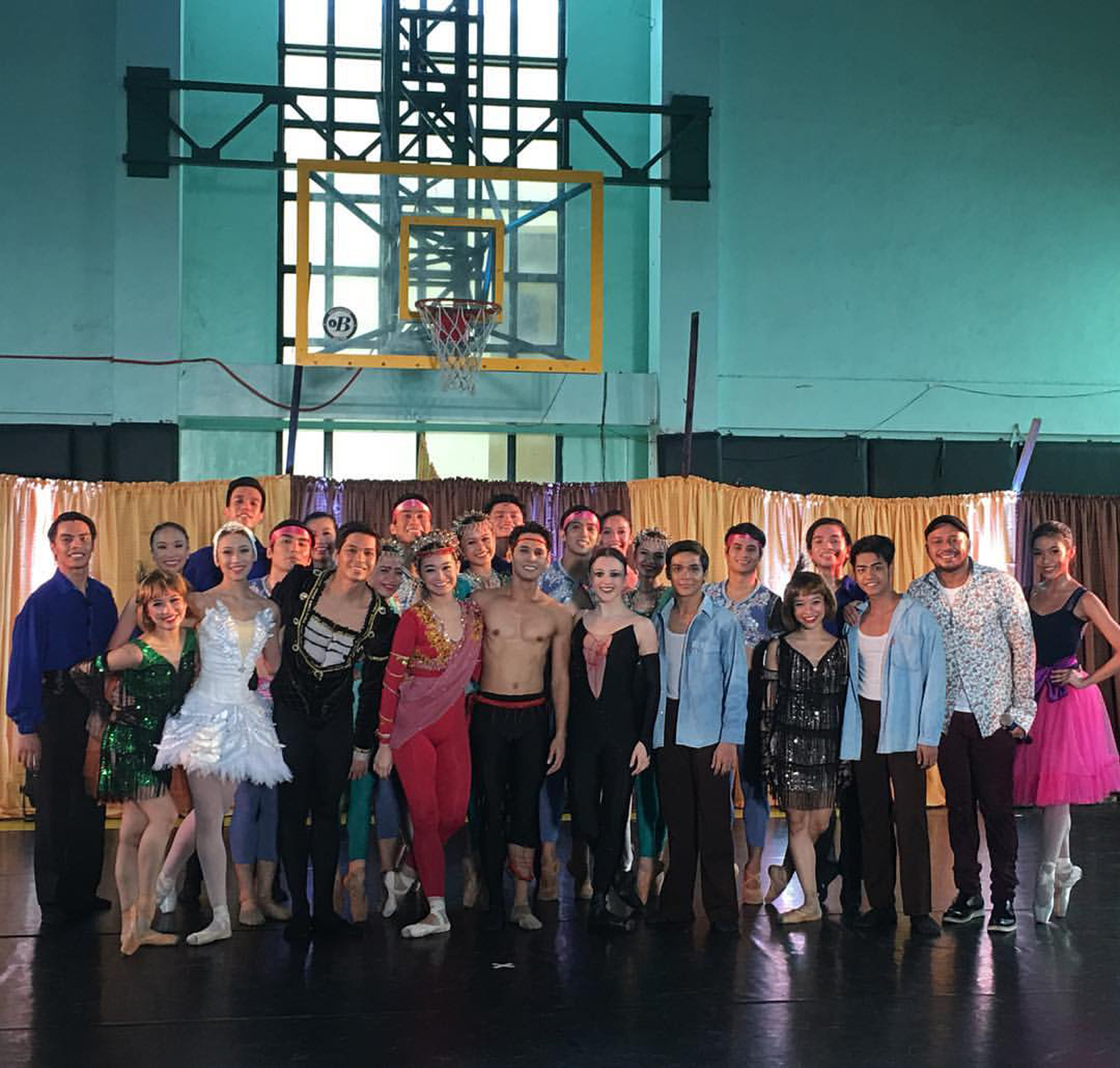 Ballet & Ballads    – featuring Ballet Manila dancers and pop singer Luke Mejares – makes its first stop this year at the Bangkal Elementary School and High School. The show will be brought to other parts of Metro Manila and key provincial cities.