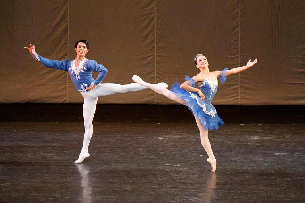 Performing the Grand Pas Classique with Jessa Balote. Photo by Jimmy Villanueva