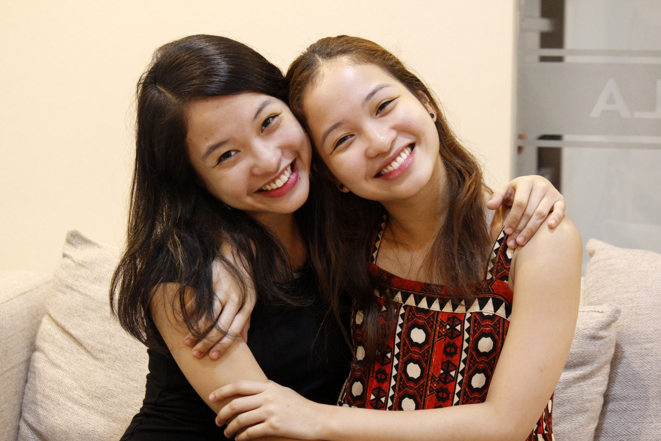 """Jasmin Pia Dames and Jessica Pearl Dames say they motivate and help each other, particularly in dancing, which is their shared love. Both profess: """"   Forever kaming magkasama.   """" Photo by Jimmy Villanueva"""