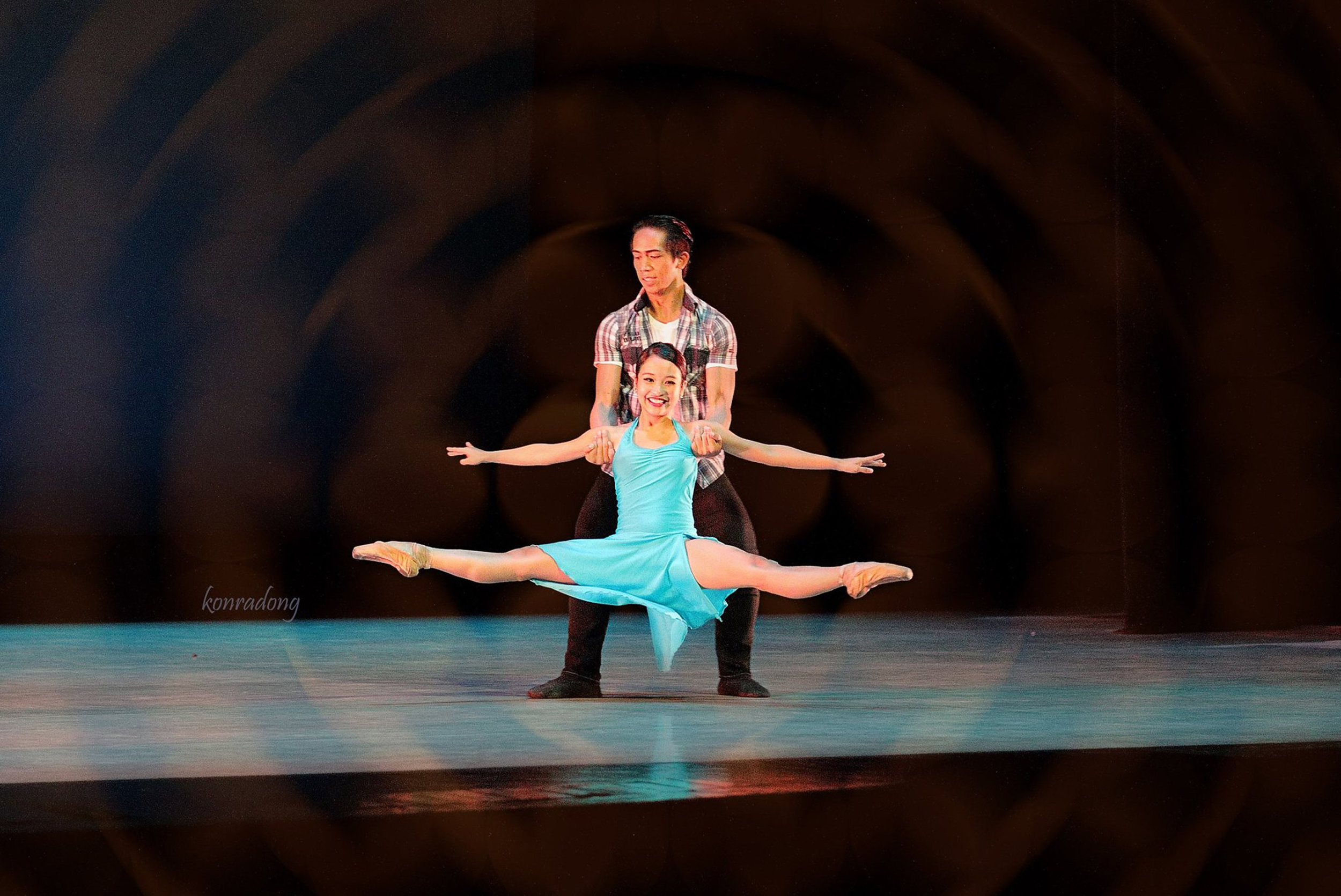 Pia is paired with Rudolph Capongcol in Francis Jaena's    Tuwing Umuulan at Kapiling Ka   , for the    Dance MNL    festival's    Winners' Circle    show. Photo by Konrad Ong