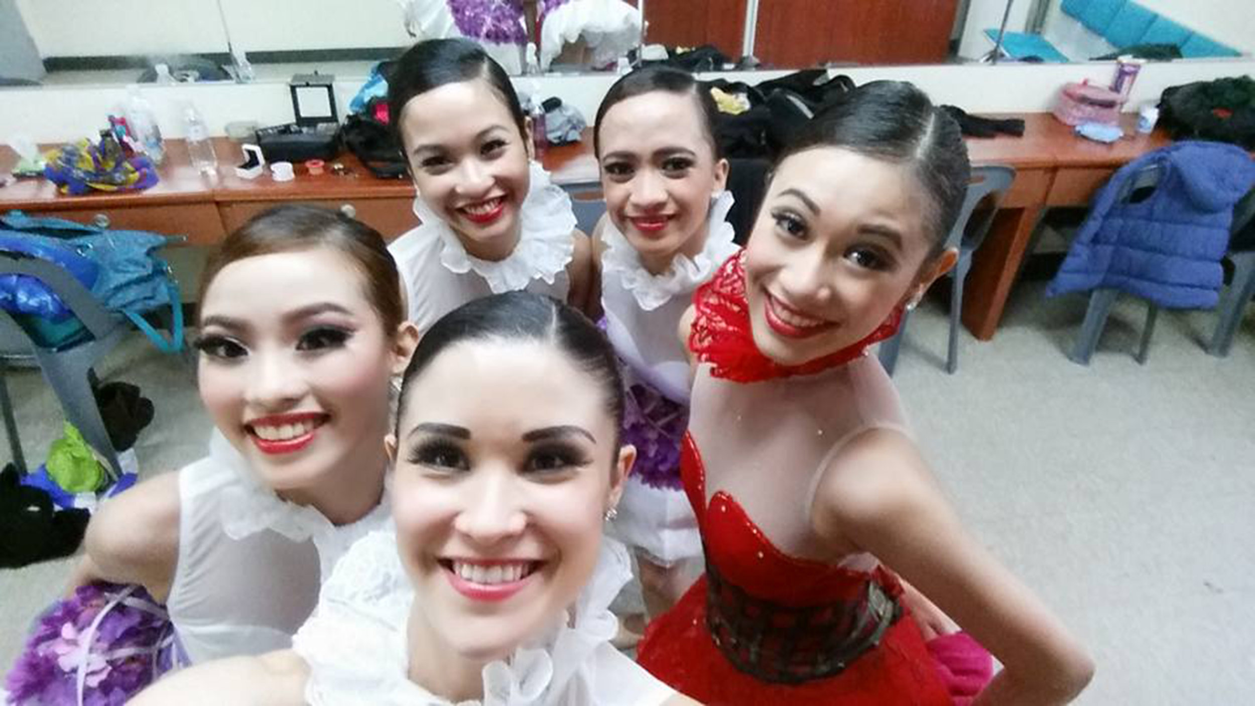 """On tour in Korea, the girls of    Bloom    take a quick """"groupfie"""" in the dressing room. In the photo with Tiffany are, from left, Joan Emery Sia, Jasmine Pia Dames, Jessa Balote and Abigail Oliveiro. Photo taken from Tiffany's Facebook account"""
