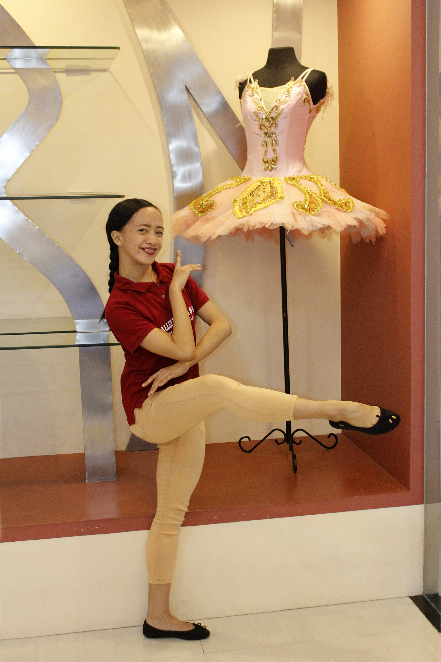 A former scavenger in Tondo, Jessa Balote's life changed when she became a scholar of Ballet Manila's Project Ballet Futures in 2008. Photo by Jimmy Villanueva