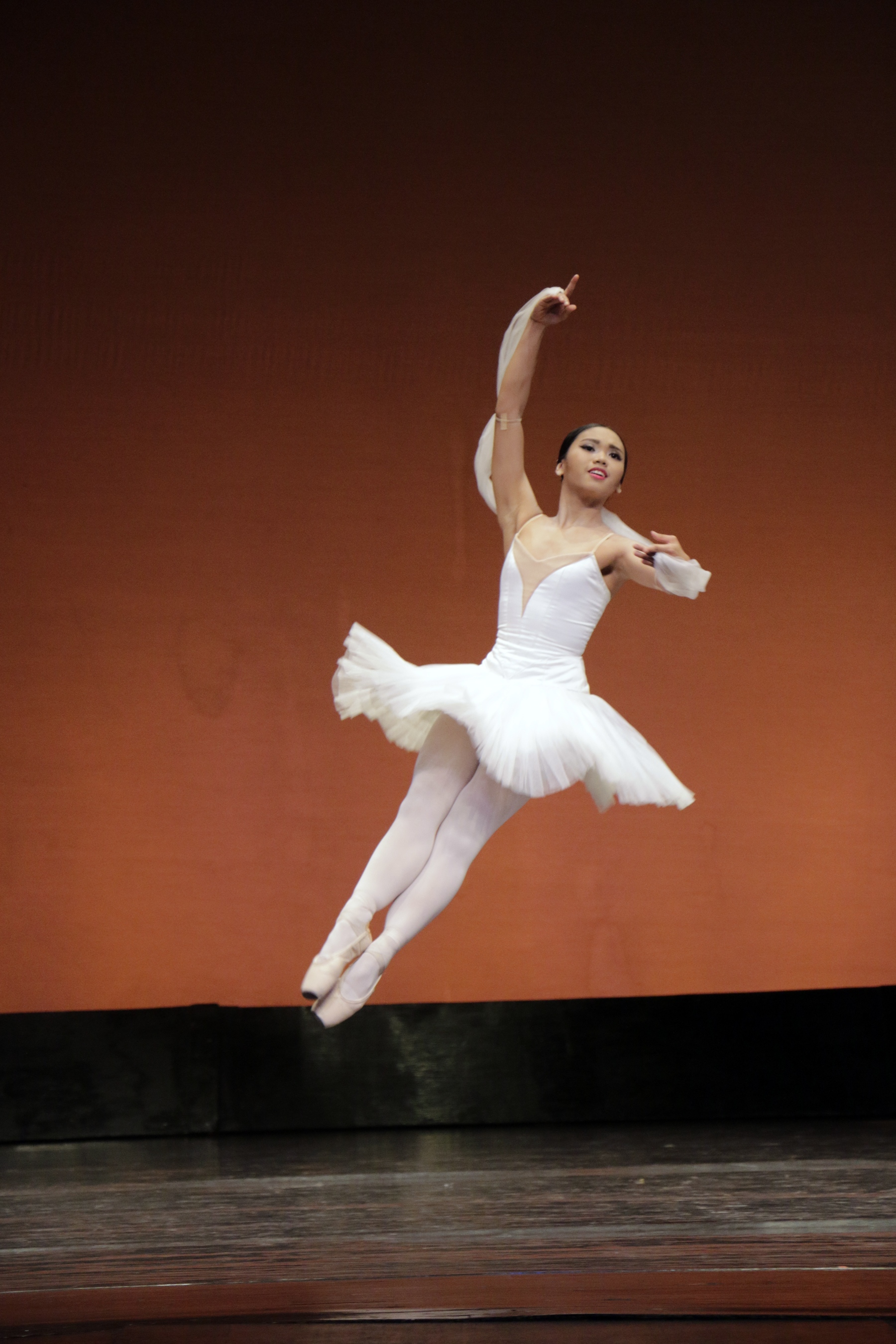 Abby says she felt good as she danced the first few steps of the 2nd Shades Variation from La Bayadere during the CCP Ballet Competition. Photo Kiko Cabuena courtesy of CCP