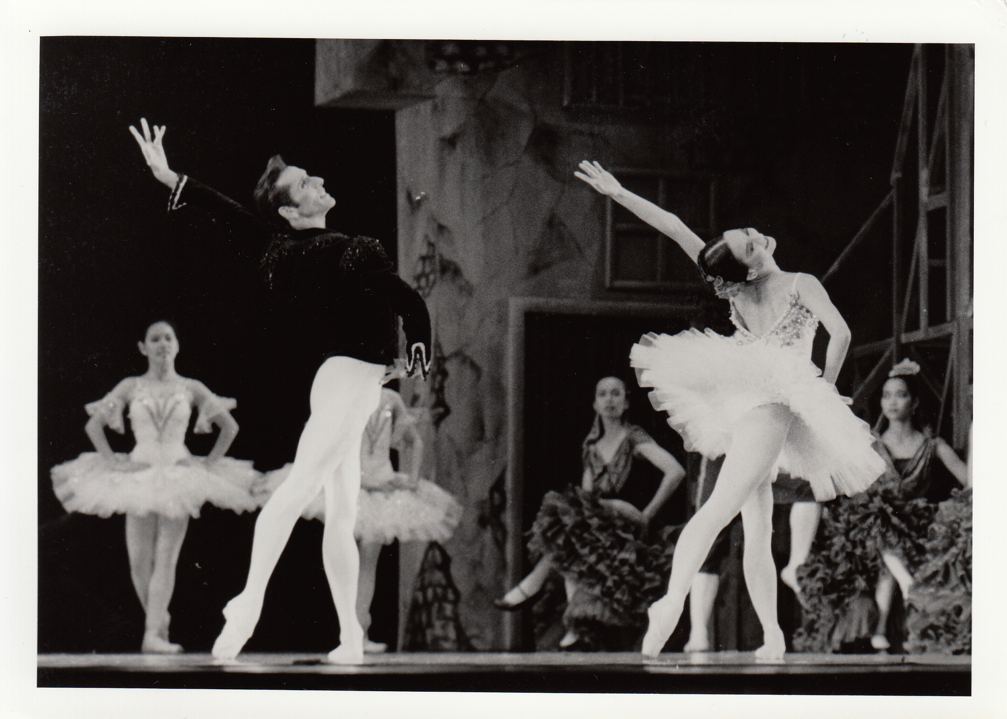 Parrish Maynard of the American Ballet Theater was one of the Basilios in a 1993 performance of    Don Quixote   . Photo courtesy of the Ballet Manila Archives