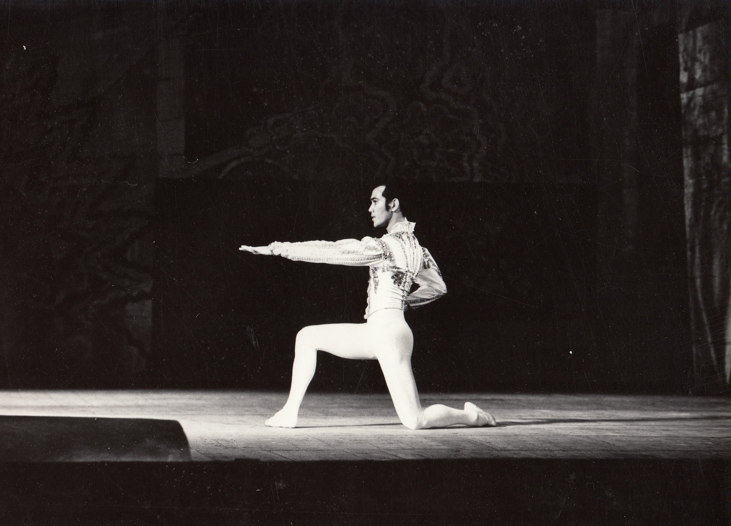Barroso, seen here in Ulan-Ude in 1994, learned his first full-length    Don Quixote    in just three days. Image courtesy of the Ballet Manila Archives