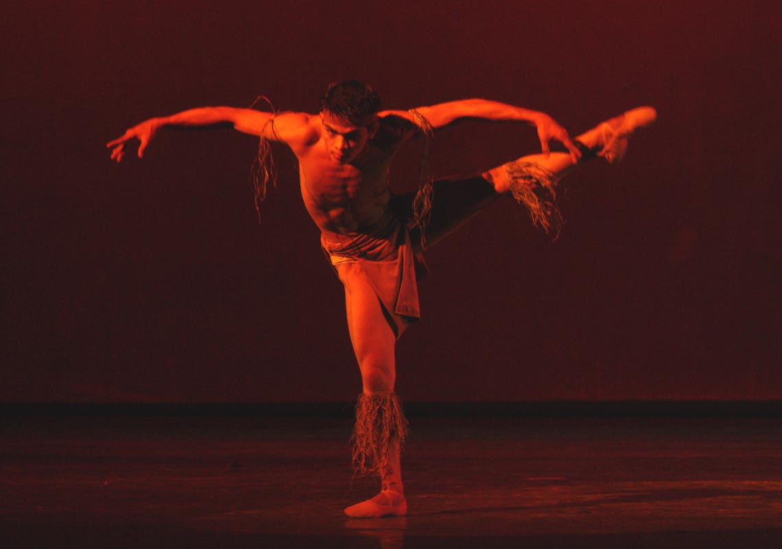 Agnes Locsin's    Agila    – performed by Gerardo Francisco in 2003 – is characterized by aggressive and sharp movements.