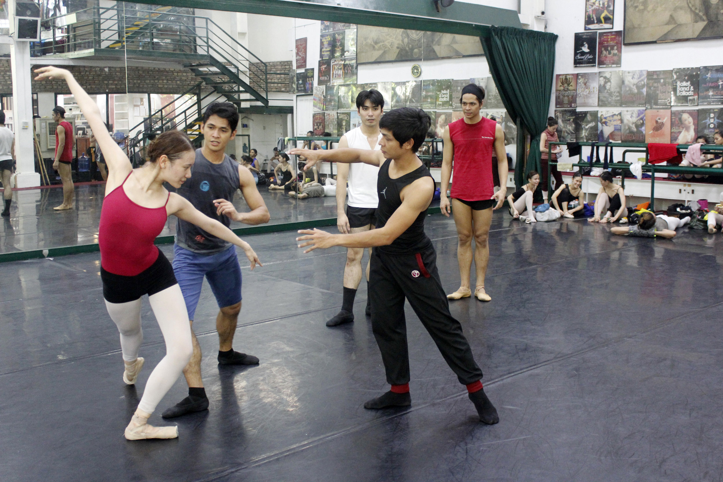 Rehearsing with    Ibong Adarna    choreographer Gerardo Francisco and soloist Abigail Oliveiro in the title role. Photo by Jimmy Villanueva