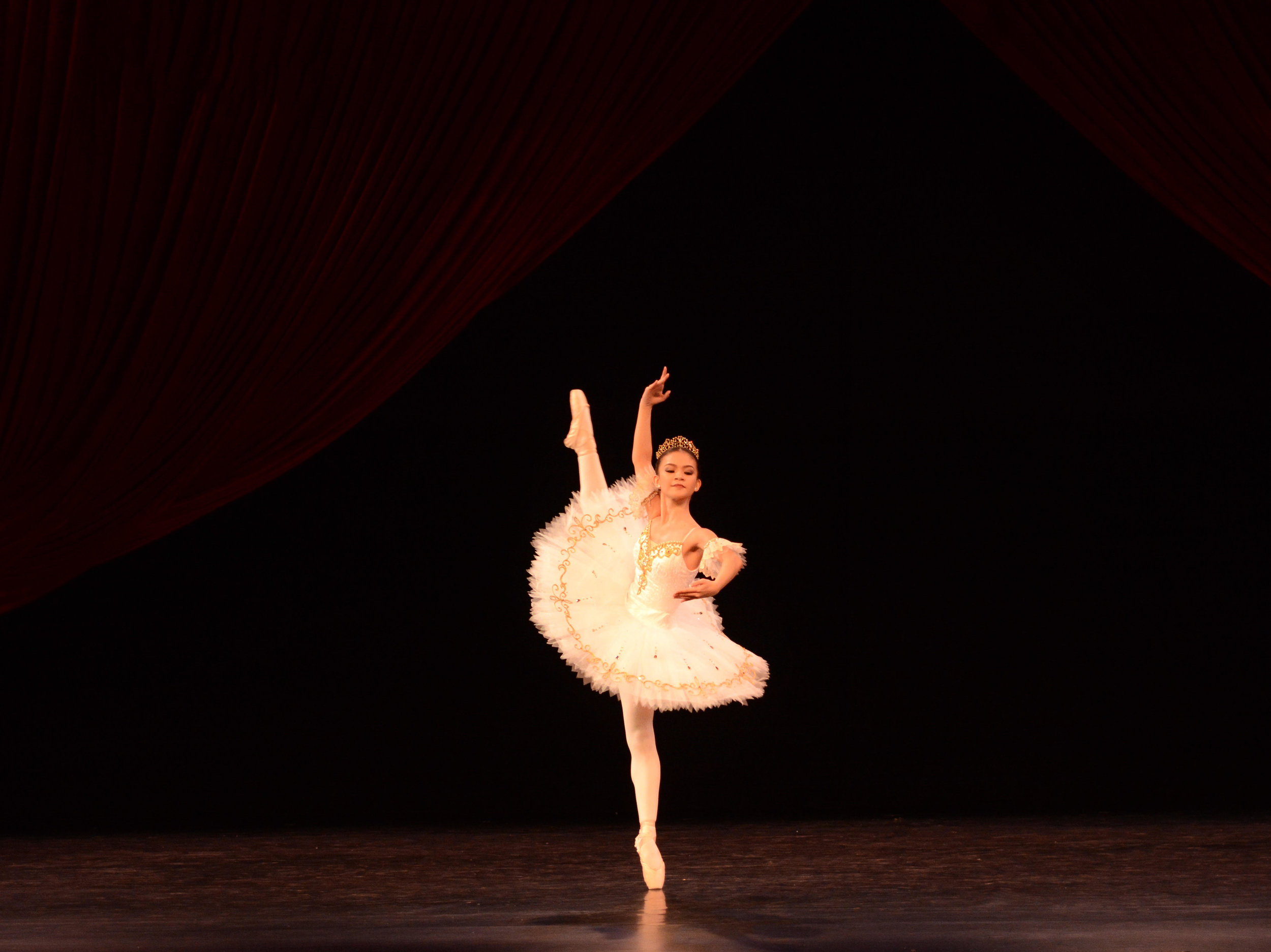 Shaira Comeros, Finalist, Senior: Sleeping Beauty Act 3 Variation. Photo by MarBi Photography