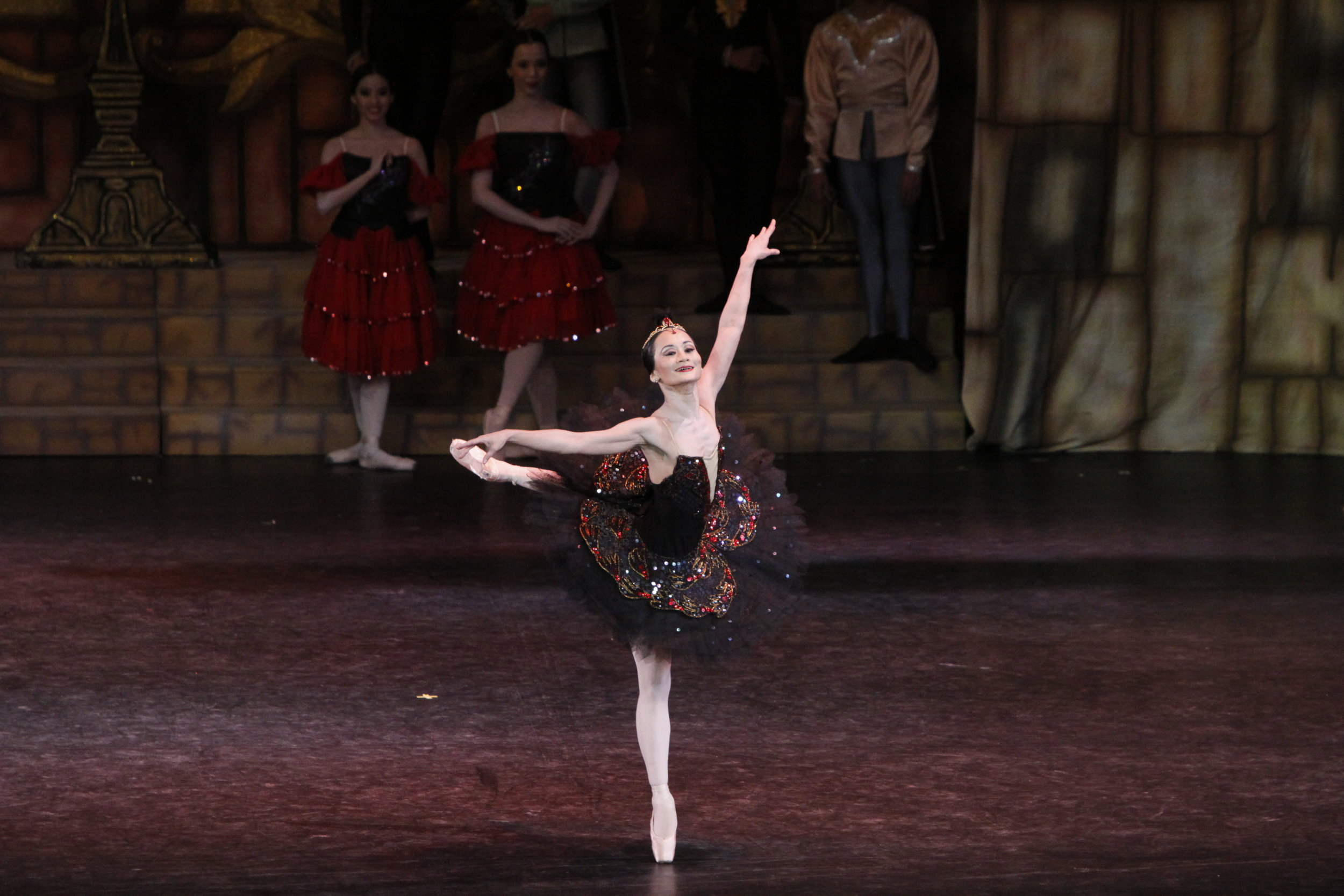 Lisa Macuja dances in    Swan Lake    in 2011 as part of her    Swan Song Series    wherein she performed her last Odette/ Odile. Photo by Ocs Alvarez