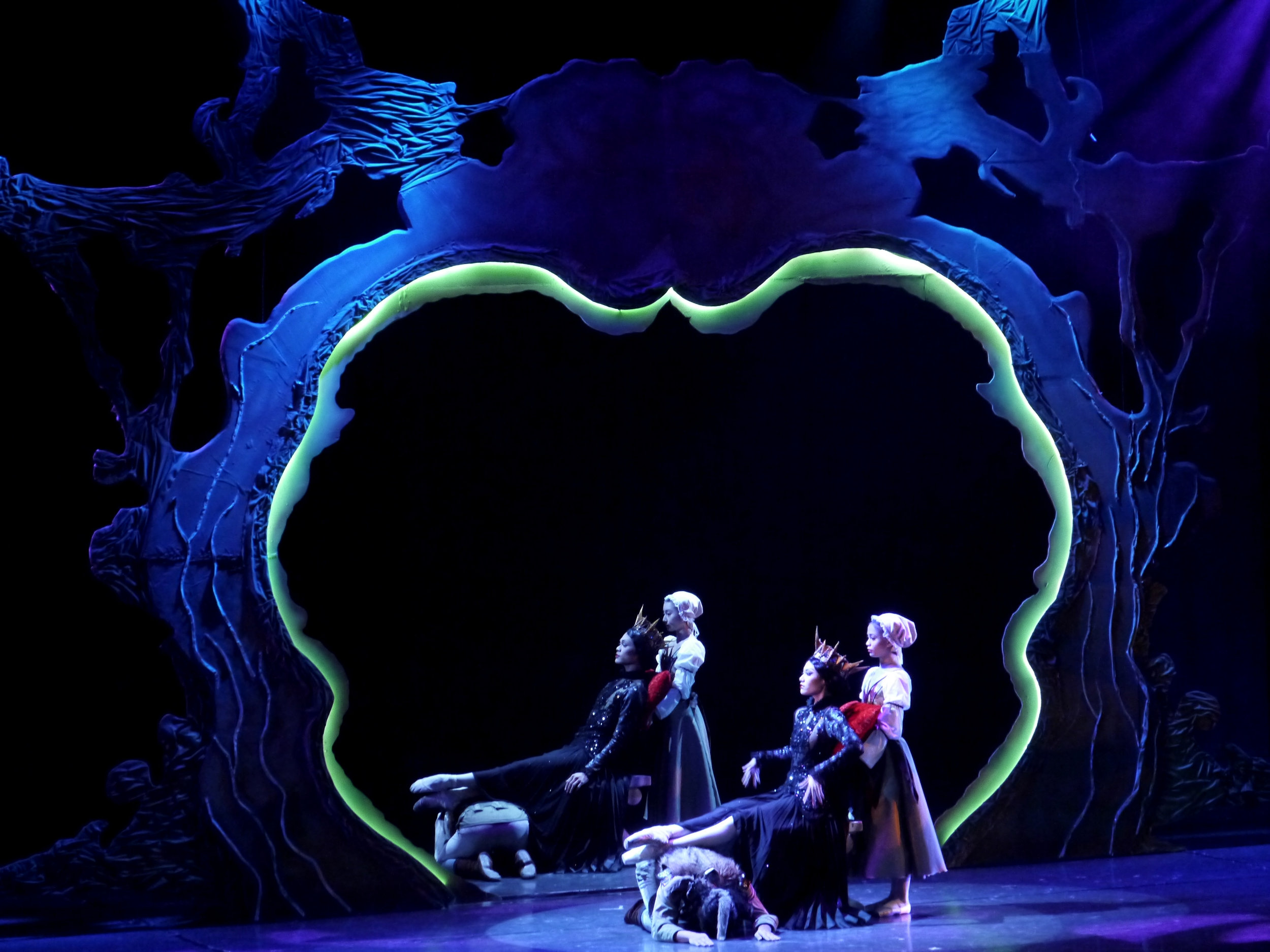There are two sets of dancers in the Magic Mirror scene, one in front and one behind, with The Evil Queen seeing her dark persona for the first time.    Photo by Giselle P. Kasilag