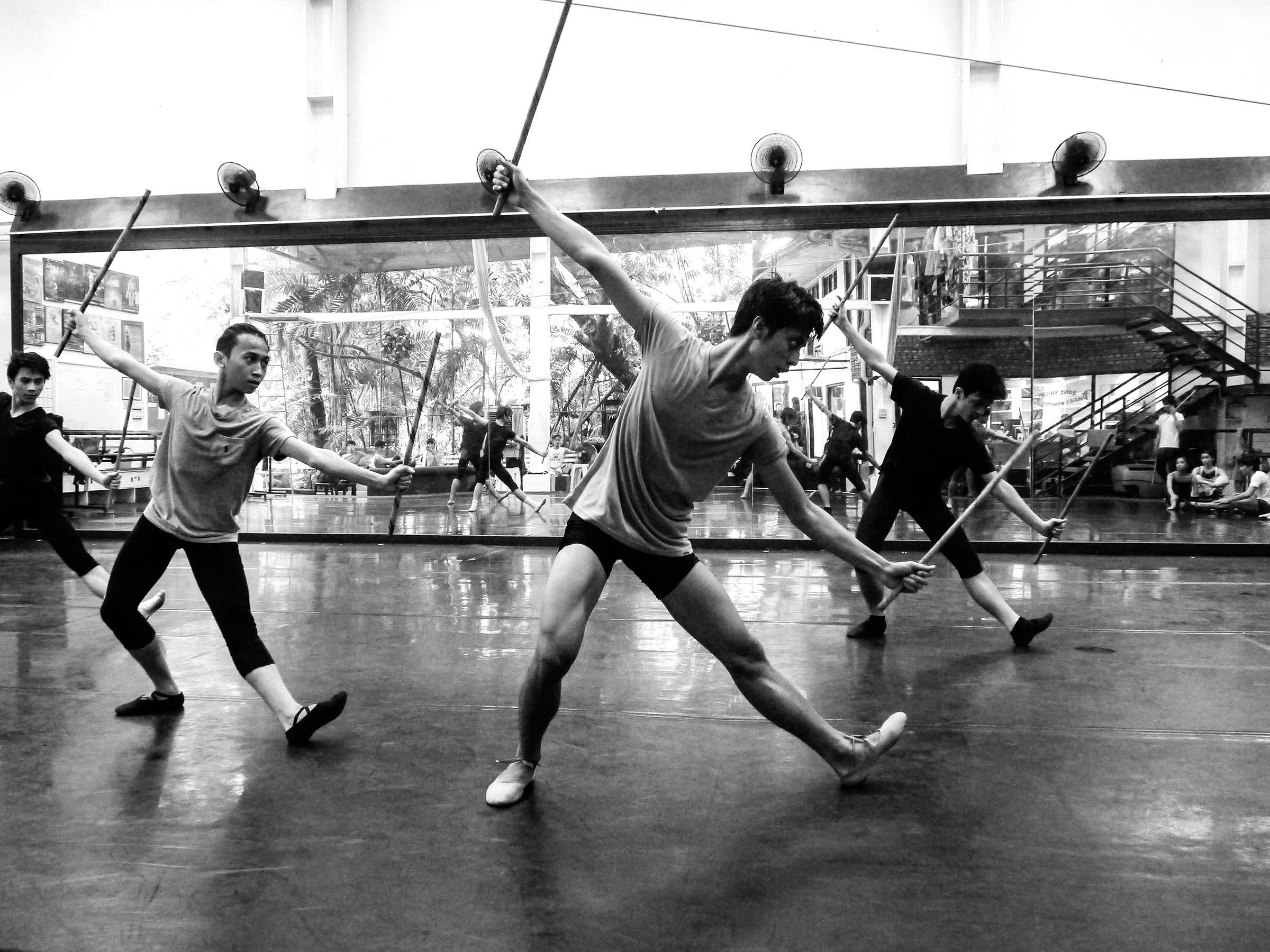 Choreography in Focus - Arnis by Ric Culalic 3a - Ballet Manila Archives.jpg