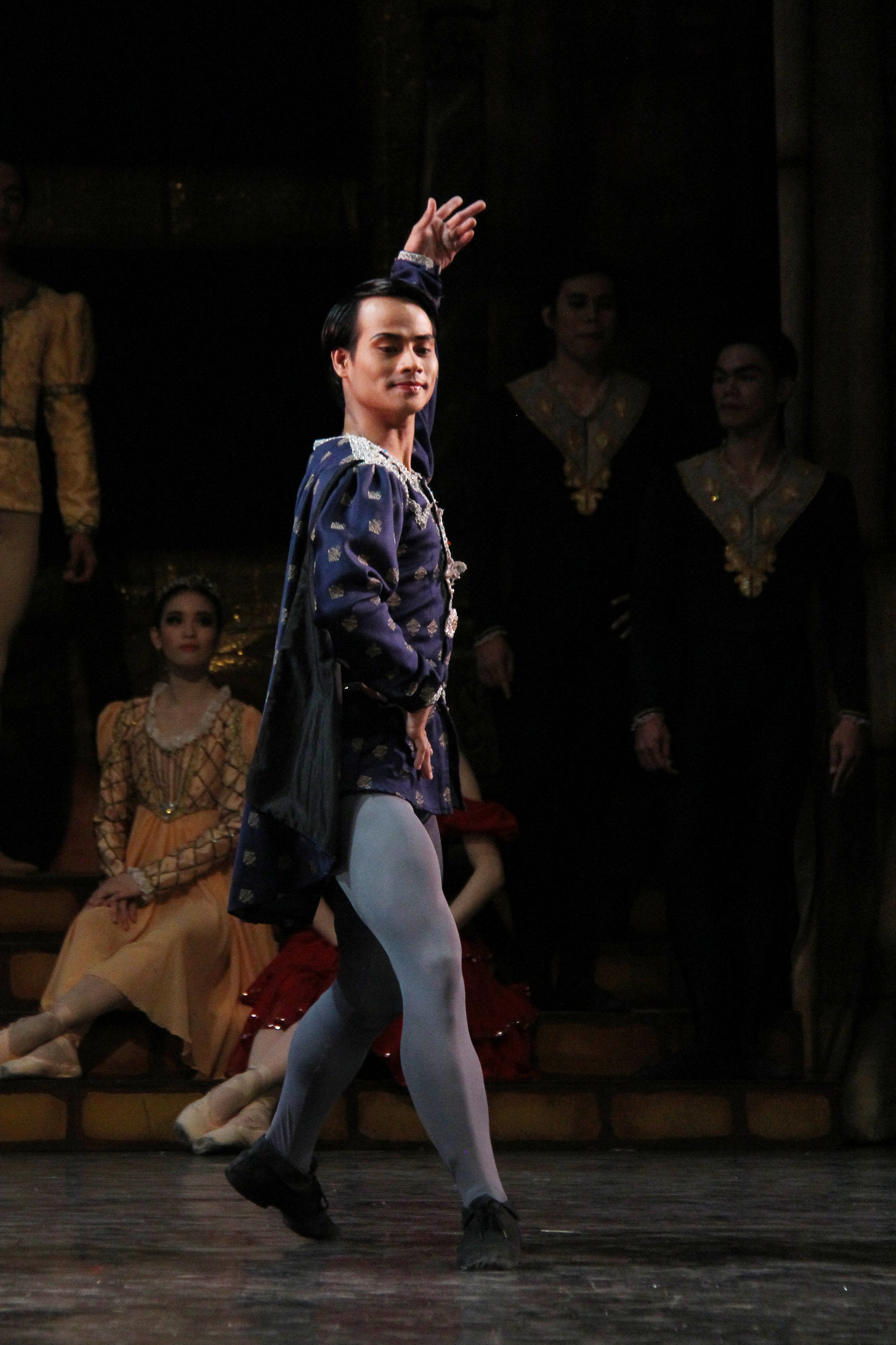 As one of the Cavaliers in    Swan Lake   , 2014