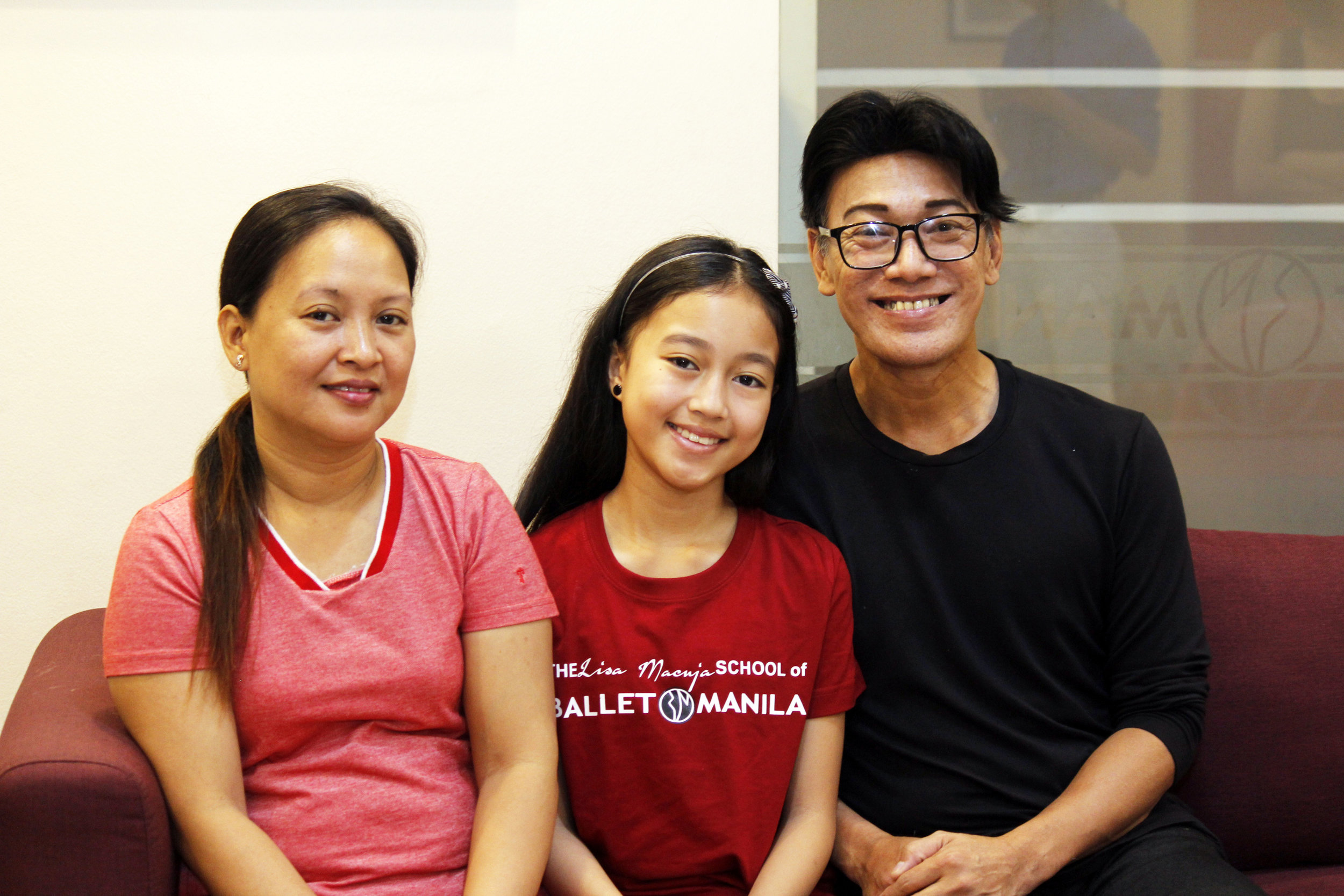Melissa Francisco says her daughter Gian surprised the entire family one day, saying she had passed a Ballet Manila audition. With them is BM co-artistic director  Osias Barroso  who is also one of Gian's teachers. Photo by Jimmy Villanueva