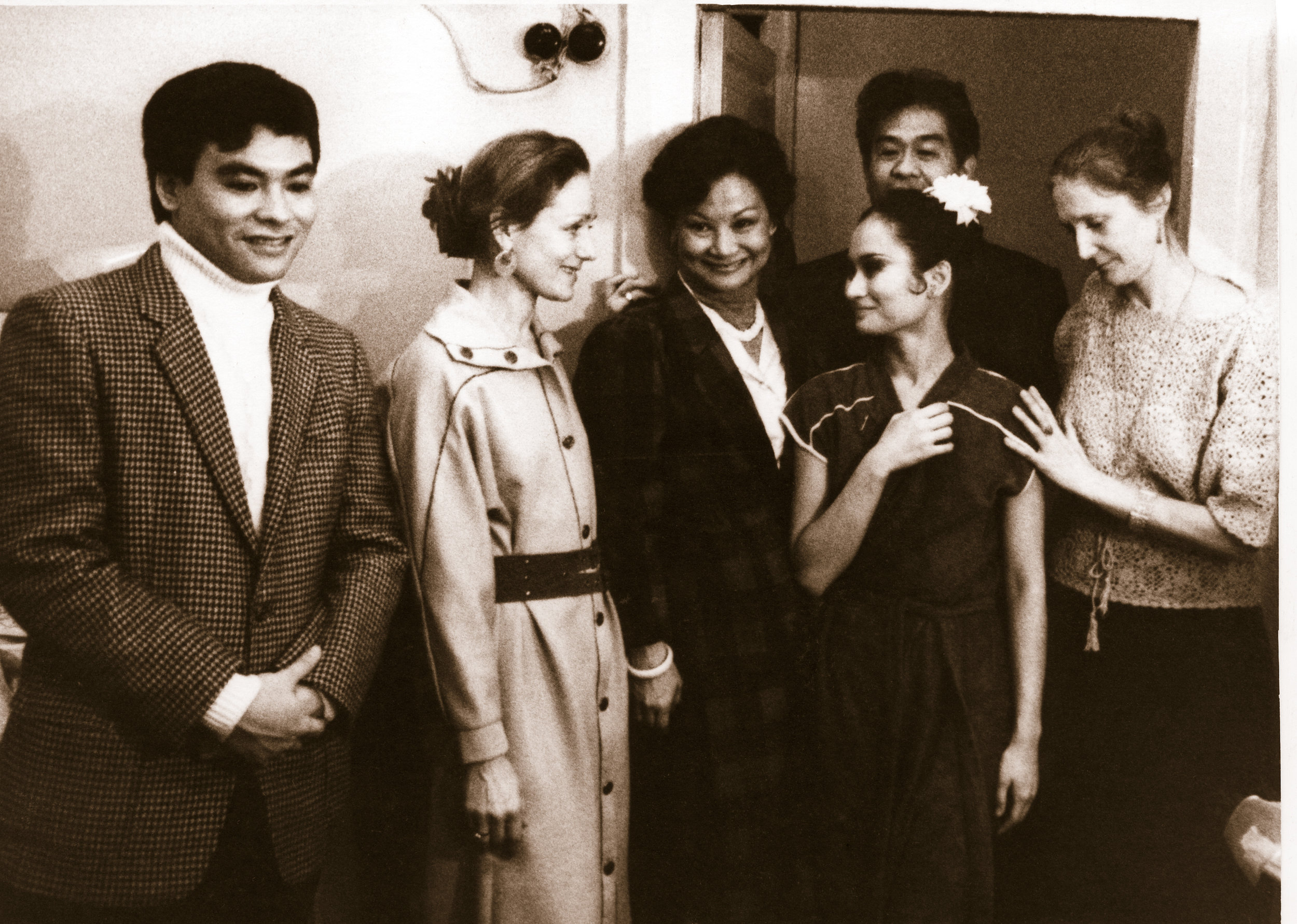 Greeting Lisa at the backstage after performing her first full-length    Don Quixote    was her family who flew to Russia to celebrate this milestone. In this photo were brother Julio, mentor Gabriela Komleva, mom Susan, dad Cesar, and teacher Tatiana Udalenkova. Photo from the Ballet Manila Archives collection