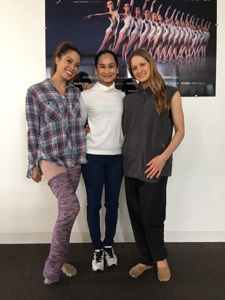 Ballet Manila artistic director Lisa Macuja-Elizalde (center) meets Boston Ballet principal dancers Lia Cirio (left) and Ashley Ellis on a visit to the company last April.
