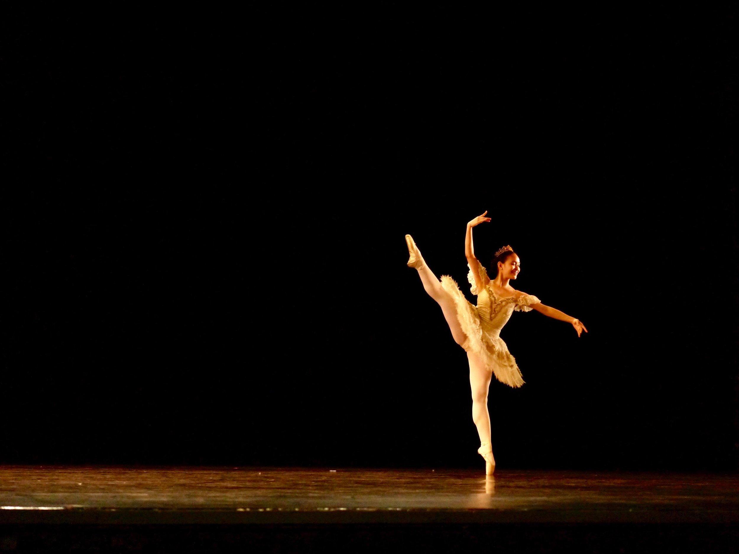 Sophia Tiangco – Gamzatti (   La Bayadere   ). Photo by Giselle P. Kasilag