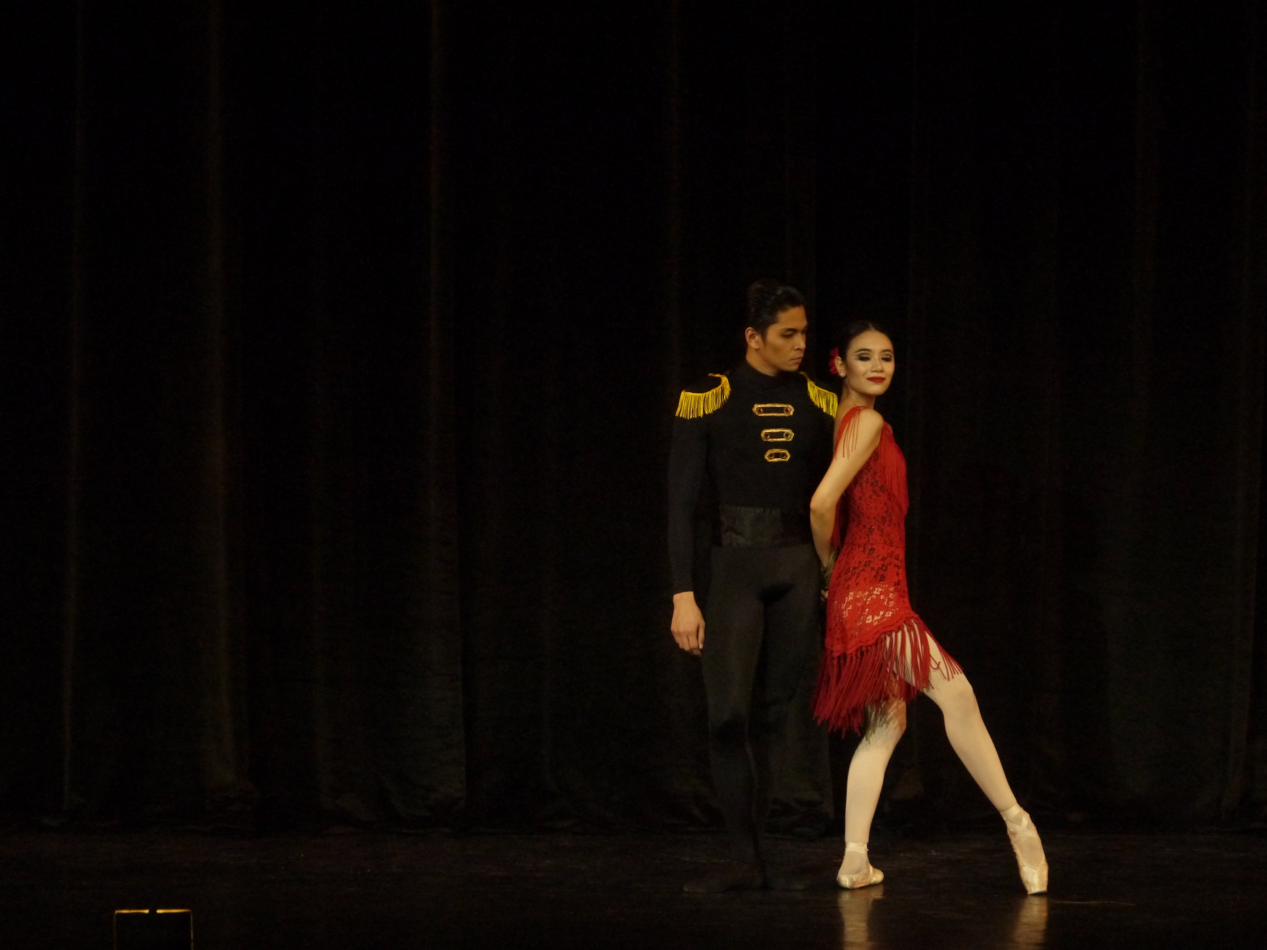 With real-life boyfriend, soloist Mark Sumaylo as her Don Jose, Abi sizzles as Carmen in this scene from the Eric V. Cruz choreography. Photo by Giselle P. Kasilag