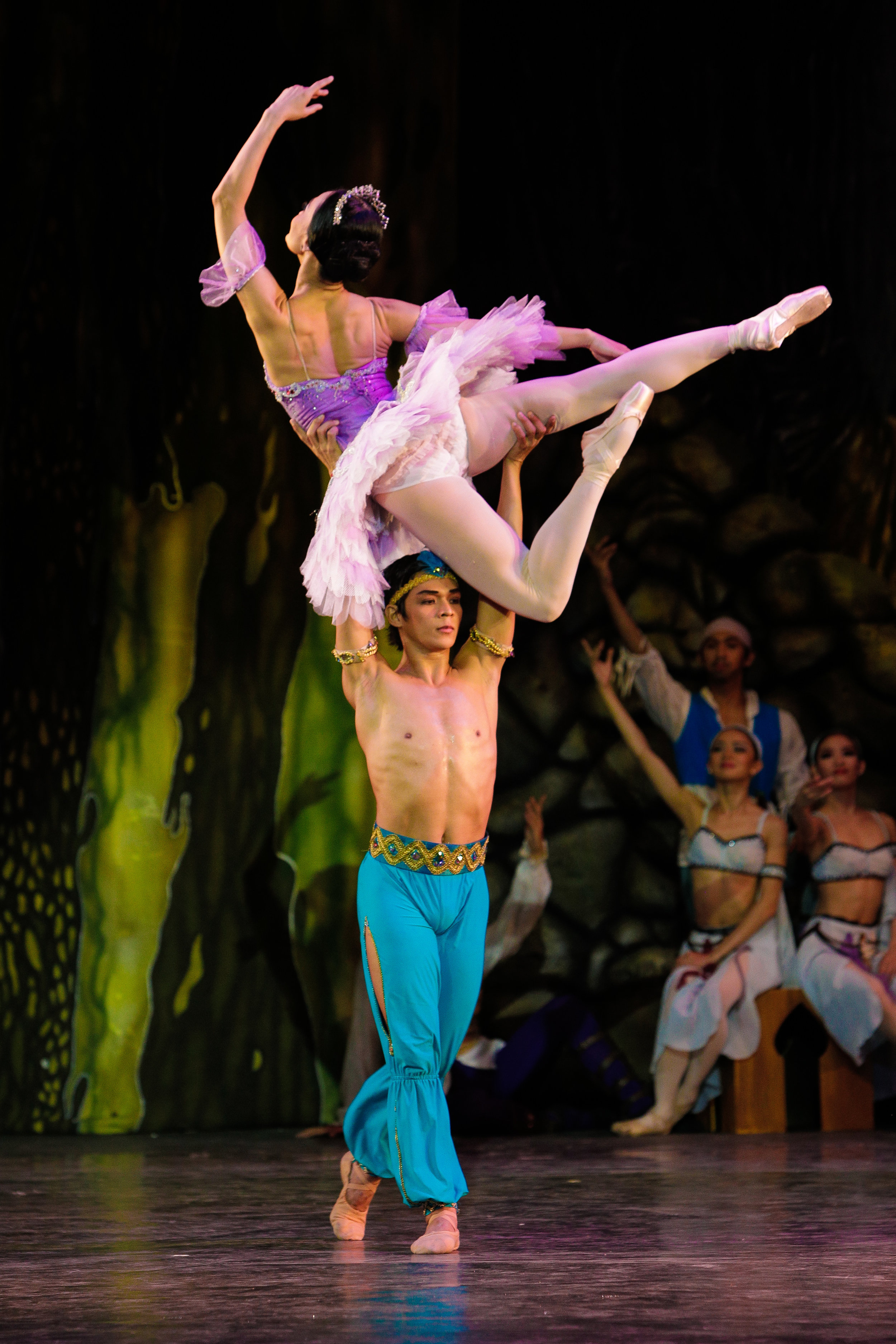 In 2013, Geri as Ali partnered Lisa Macuja-Elizalde's Medora in the prima ballerina's farewell performances of  Le Corsaire  featured in her Swan Song Series. Photo by Jojo Mamangun