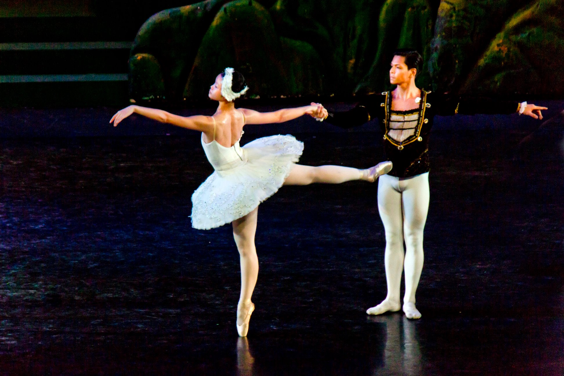 Ke Xin dances as Odette, the White Swan, opposite Mark Sumaylo as Prince Siegfried in  Just Dance , the summer intensive recital of Ballet Manila. Photo by Jimmy Villanueva