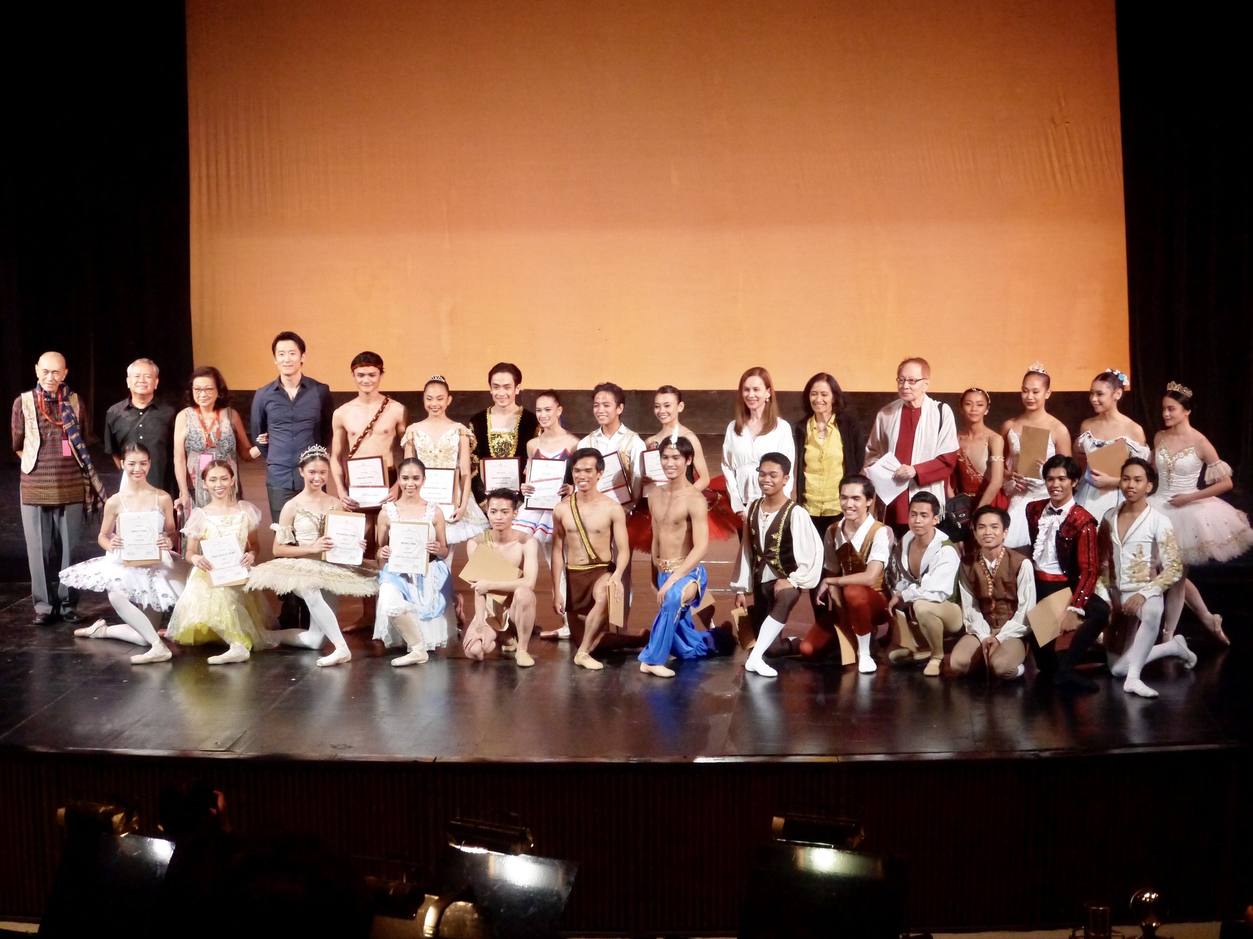 The jurors of CCP Ballet Competition 2018 join the senior competitors for a picture after the awarding ceremony.