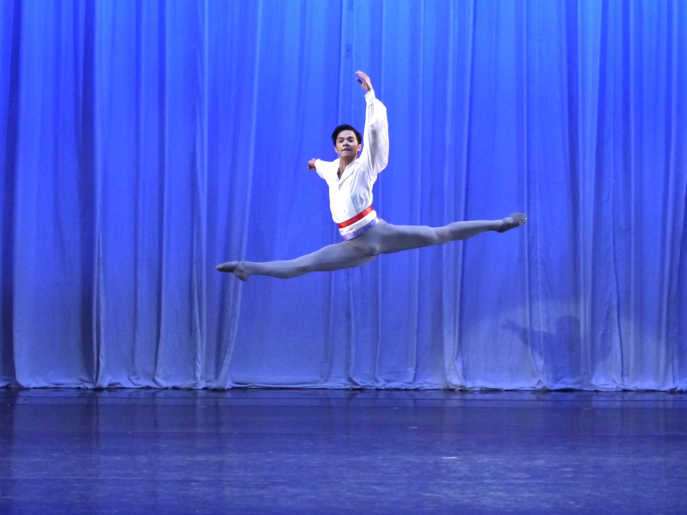 Rafael Perez performs in  Flames of Paris  in  Deux .
