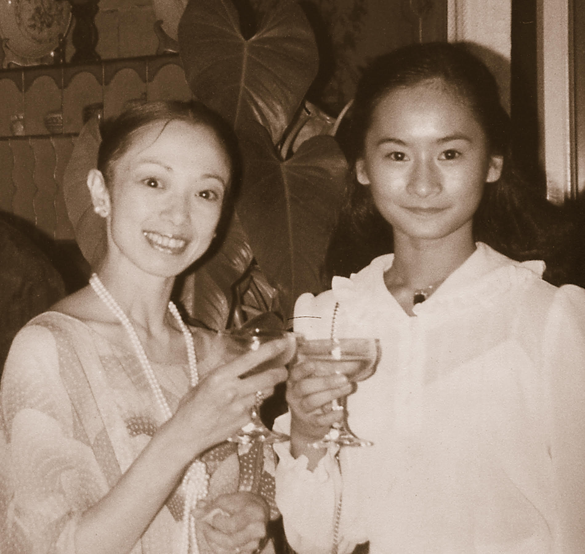 Watching Japanese prima ballerina Yoko Morishita (left) in  Swan Lake  at age 14 inspired Lisa Macuja-Elizalde (right) to pursue ballet as a profession. Photo from  Ballerina of the People