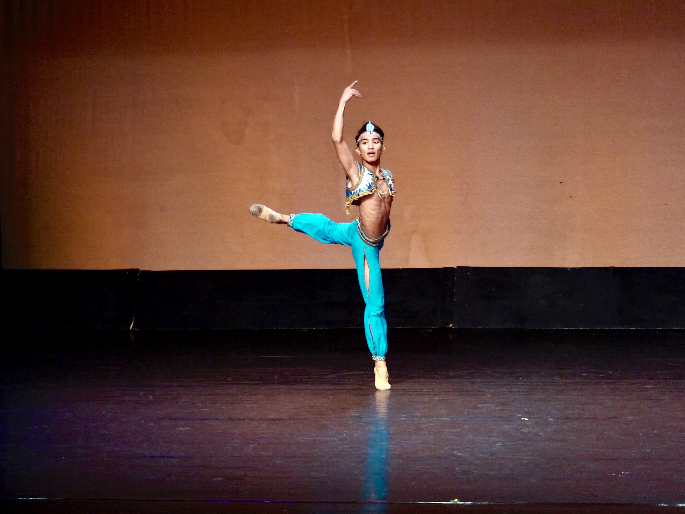John Carl Concepcion dances the Ali Variation from  Le Corsaire  as his classical piece in last year's CCP Ballet Competition. Photo by Giselle P. Kasilag