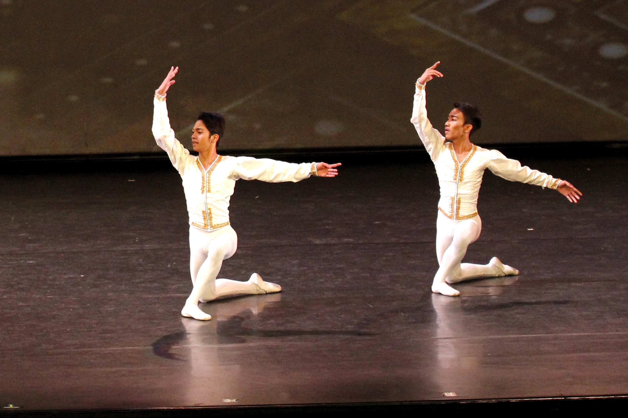 Alvin Dictado (left), who took JC to his audition with Ballet Manila seven years ago, gets to dance with his friend and recruit in a number for the recital  Must Dance  in 2017. Photo by Ocs Alvarez