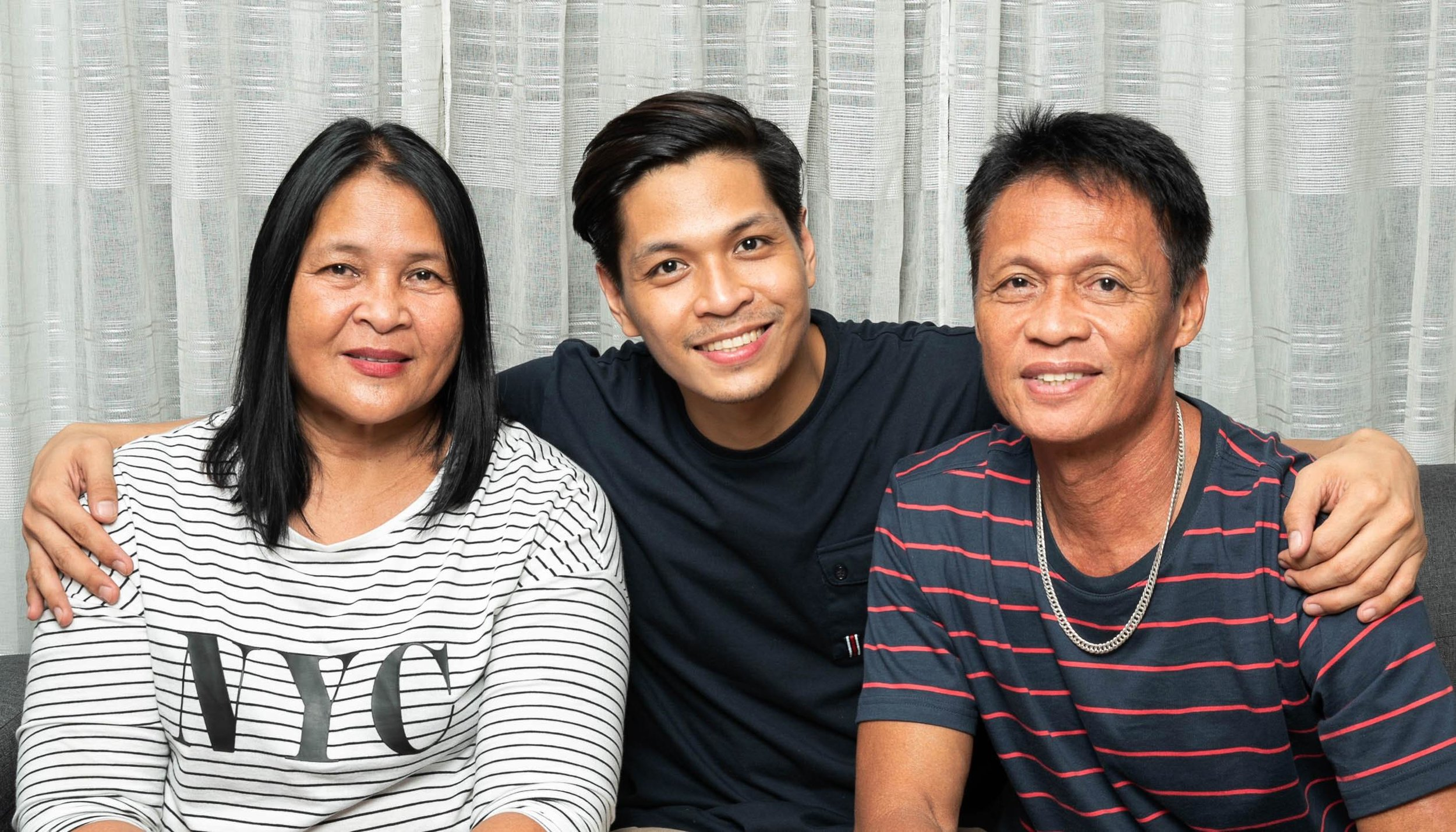 Mark is an only child who welcomes his parents Antonio and Sulieta's every visit to him in Manila from their hometown of Cagayan de Oro.