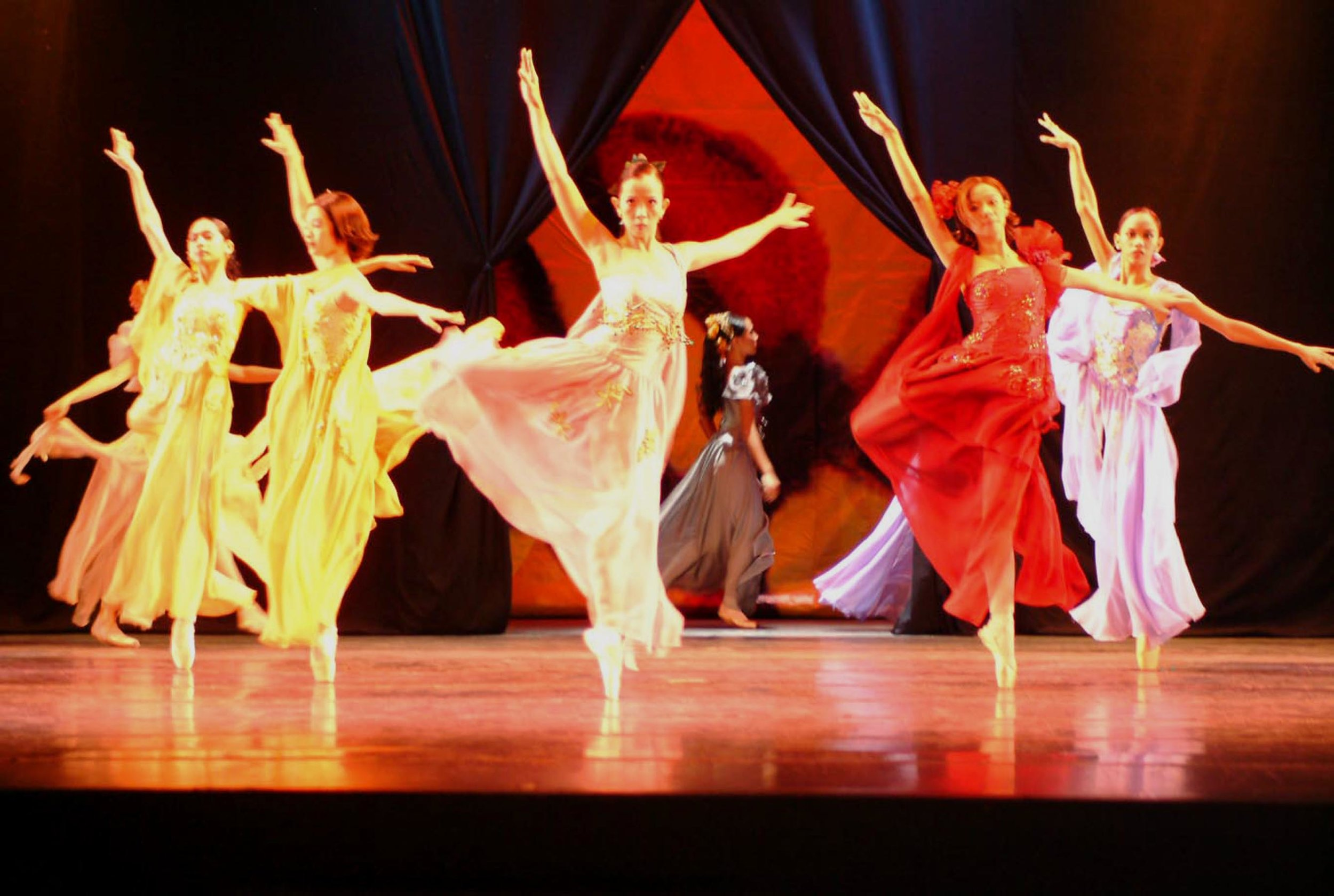 Tony Fabella's  Dalagang Pilipina  is a fusion of ballet and fashion, with the ballerinas showing their moves while wearing gowns by designer Auggie Cordero in a tribute to the contemporary Filipina. Photo by Ocs Alvarez