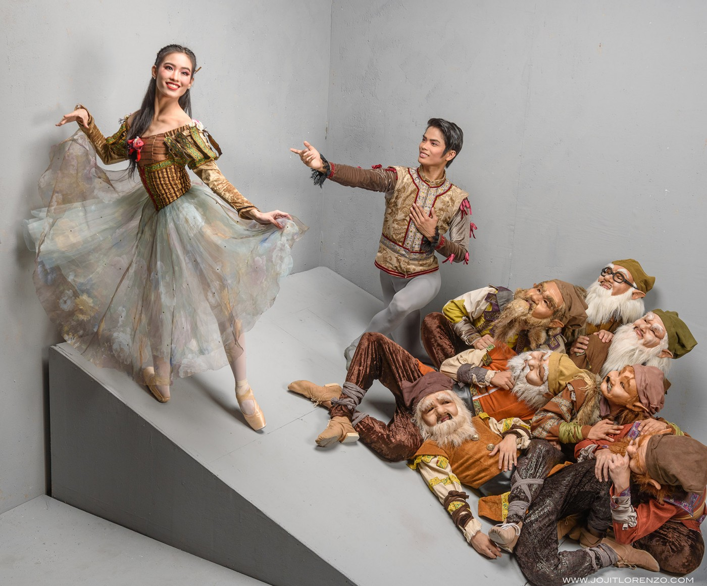 Principal dancers Joan Emery Sia and Elpidio Magat, seen here with the Seven Dwarfs, lead the cast of Lisa Macuja-Elizalde's  Snow White  which will open Ballet Manila's 24th season in September.