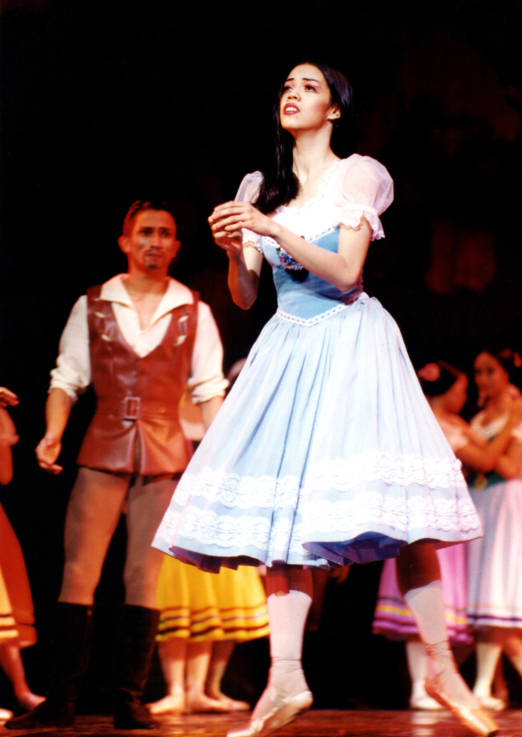 "Eline Damian took the lead role in the 1999 production of ""Giselle"""