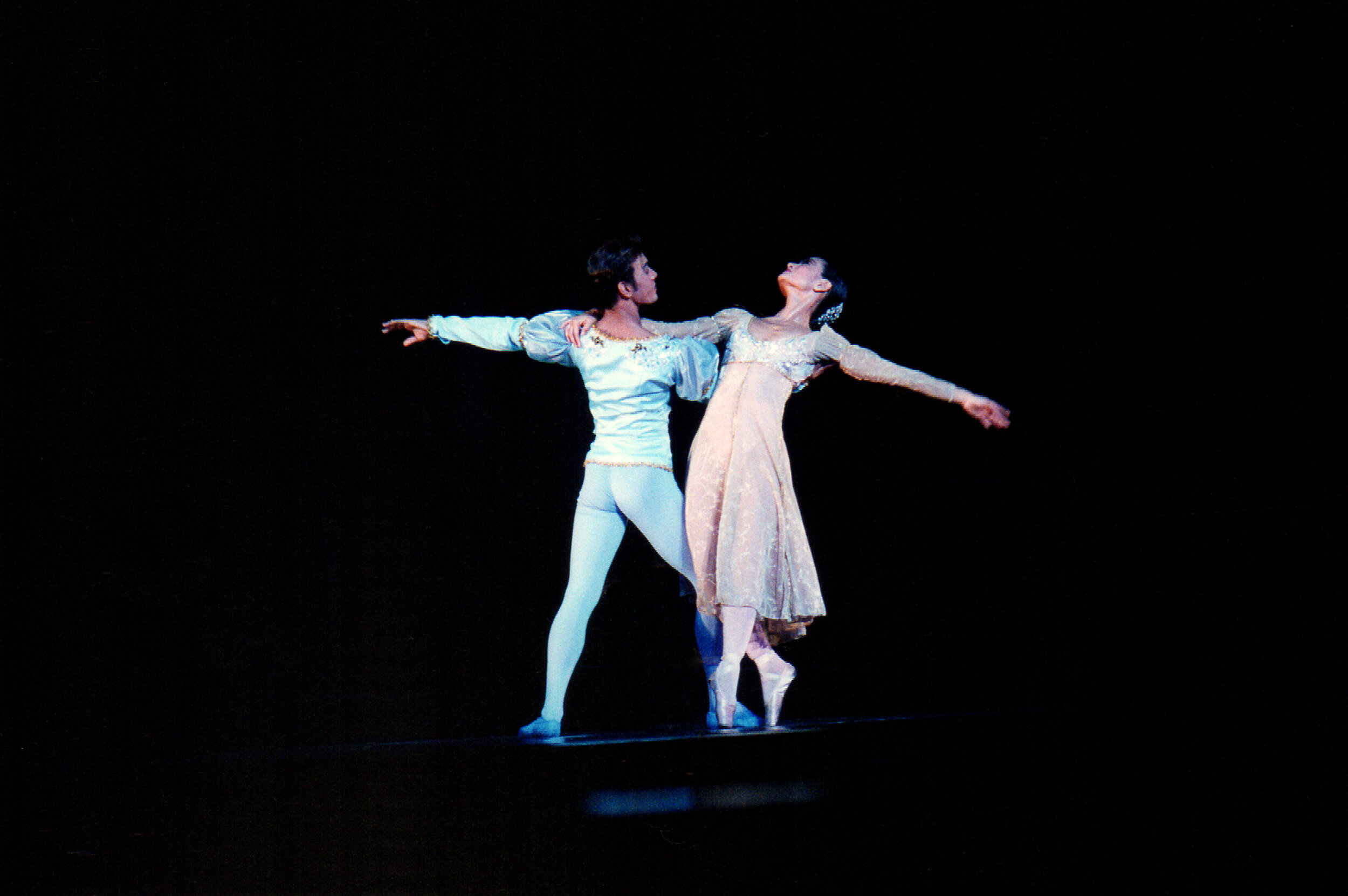 Osias Barroso and Lisa Macuja-Elizalde dance the romantic leads in the world premiere of Sergey Vikulov's  Romeo and Juliet . Photo by Ocs Alvarez from the Ballet Manila Archives collection