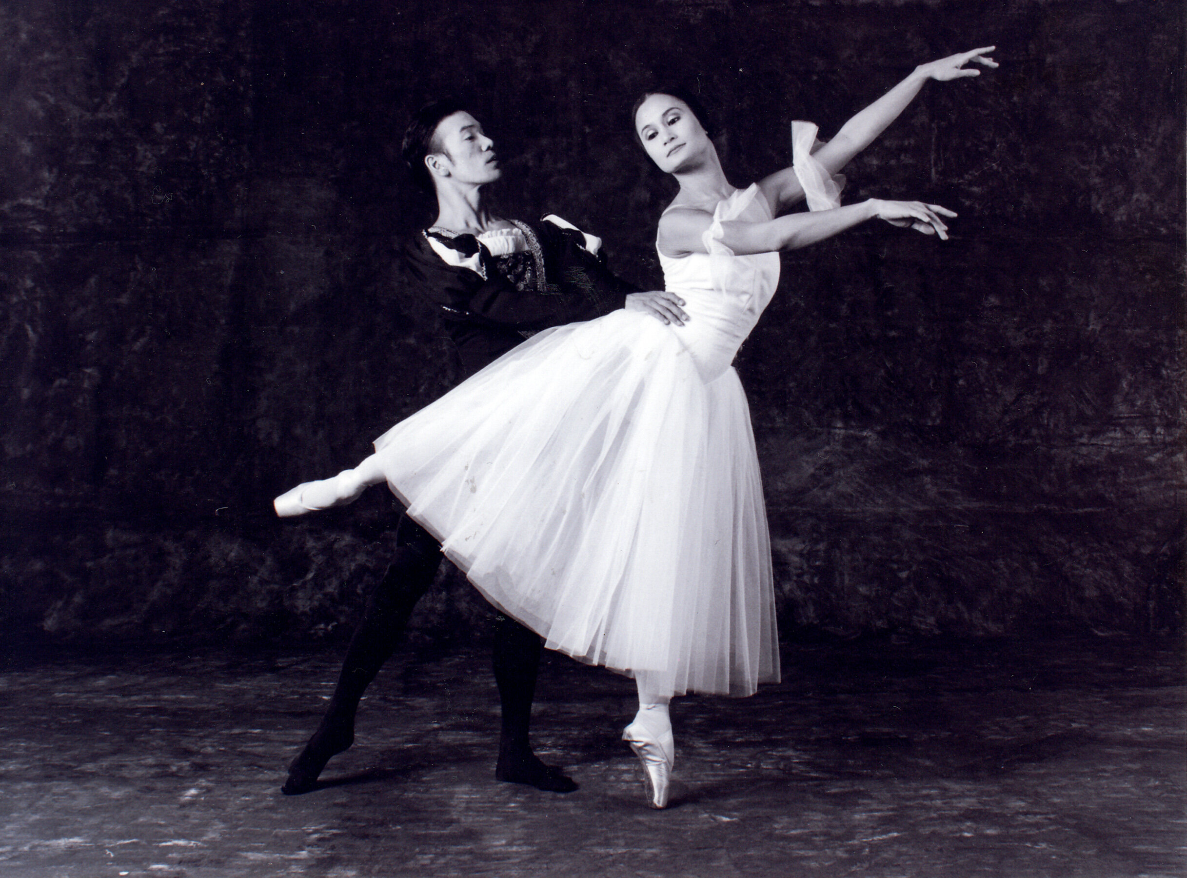 Osias Barroso and Lisa Macuja-Elizalde as Albrecht and Giselle in the classic staged by Ballet Manila in 1997. Photo by Ocs Alvarez