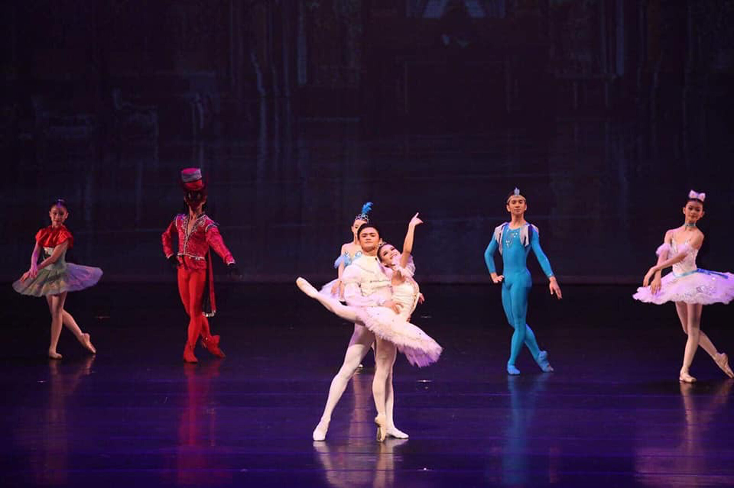 Joshua Enciso and Shaira Comeros in an excerpt of  Sleeping Beauty,  with the supporting cast