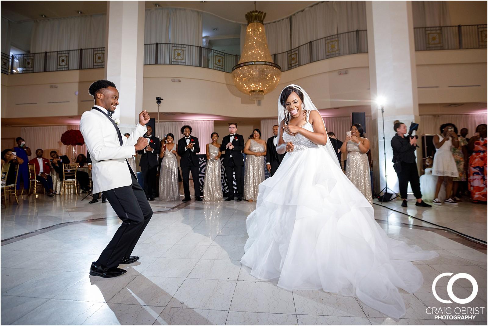 200 peachtree southern exchange wedding portraits atlanta skyline_0083.jpg