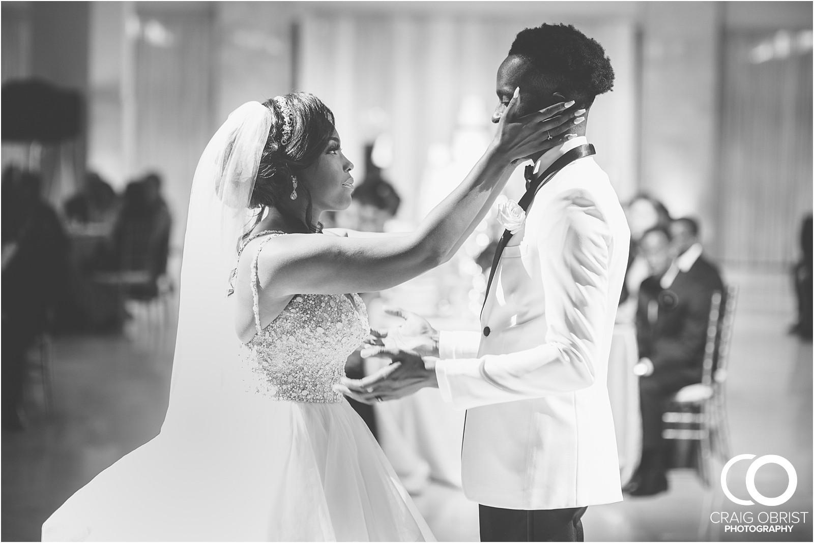 200 peachtree southern exchange wedding portraits atlanta skyline_0090.jpg