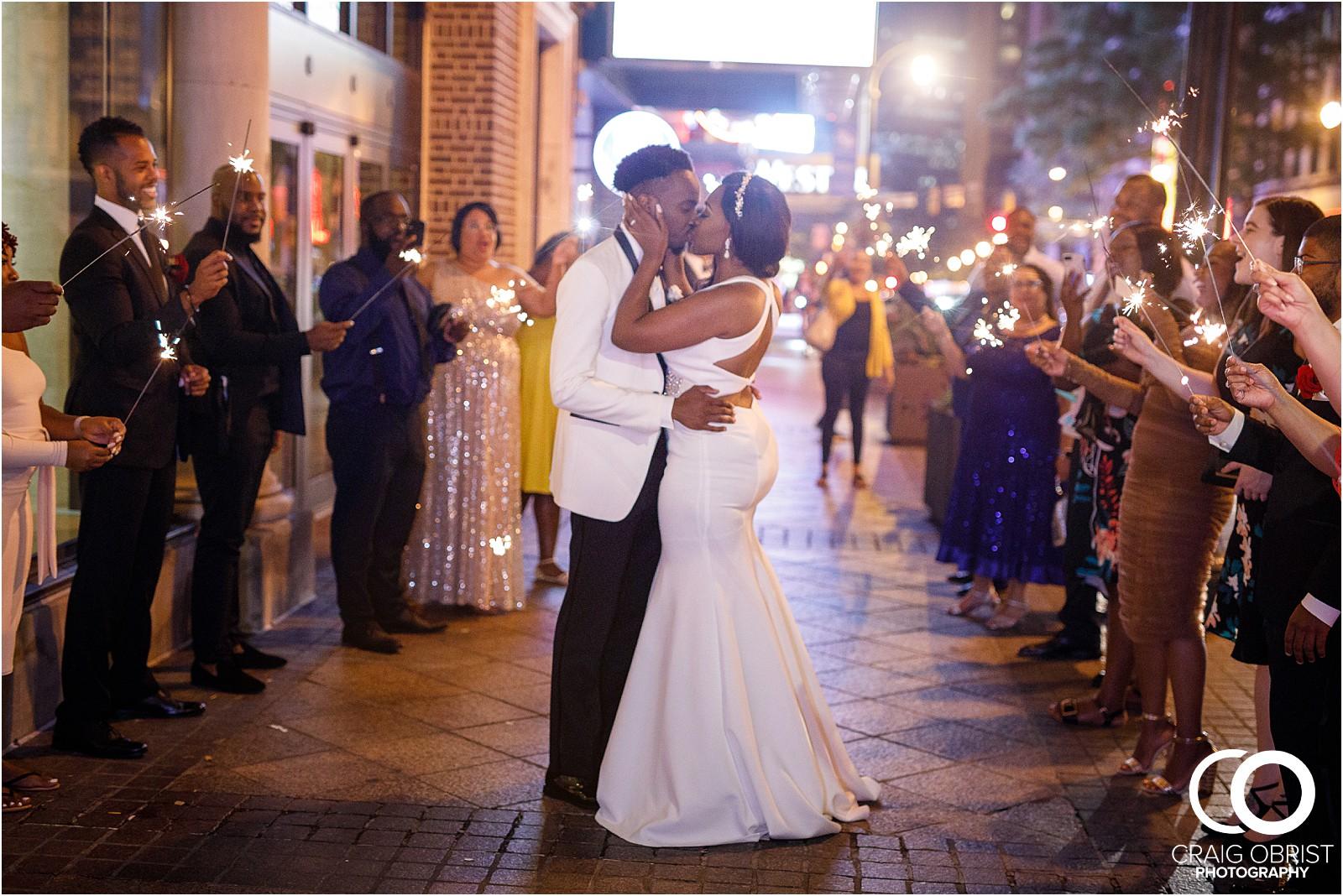 200 peachtree southern exchange wedding portraits atlanta skyline_0098.jpg