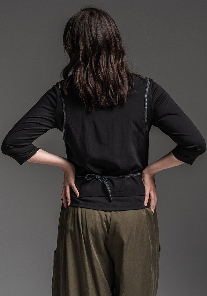 Sibyl 3/4 top, Seer vest + Grove pant
