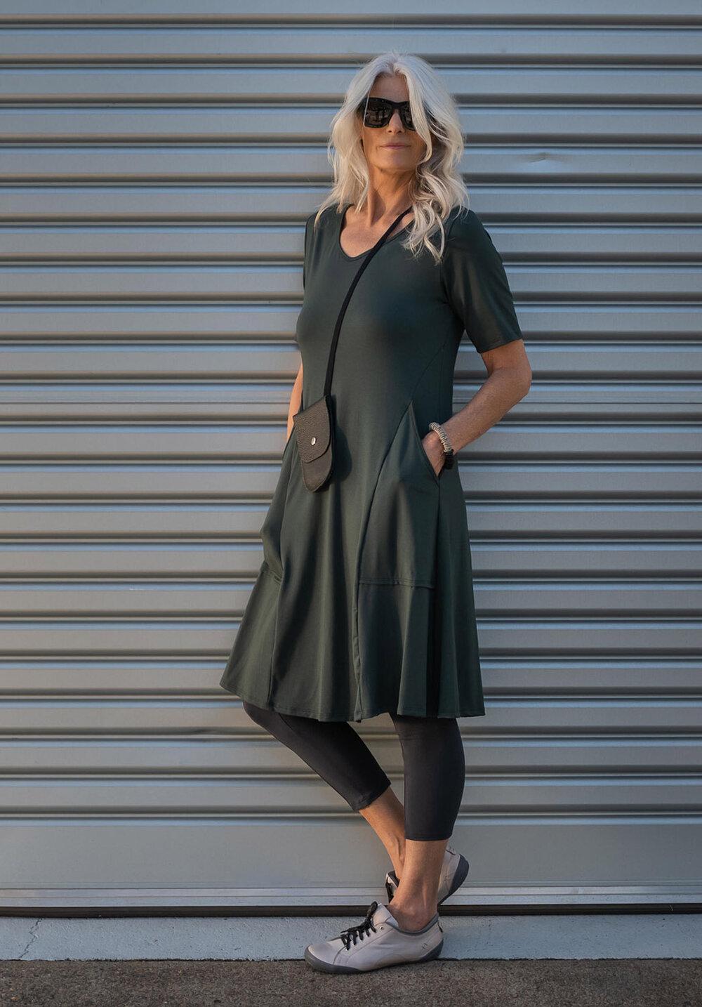 Ashen dress + Lanky 7/8 legging