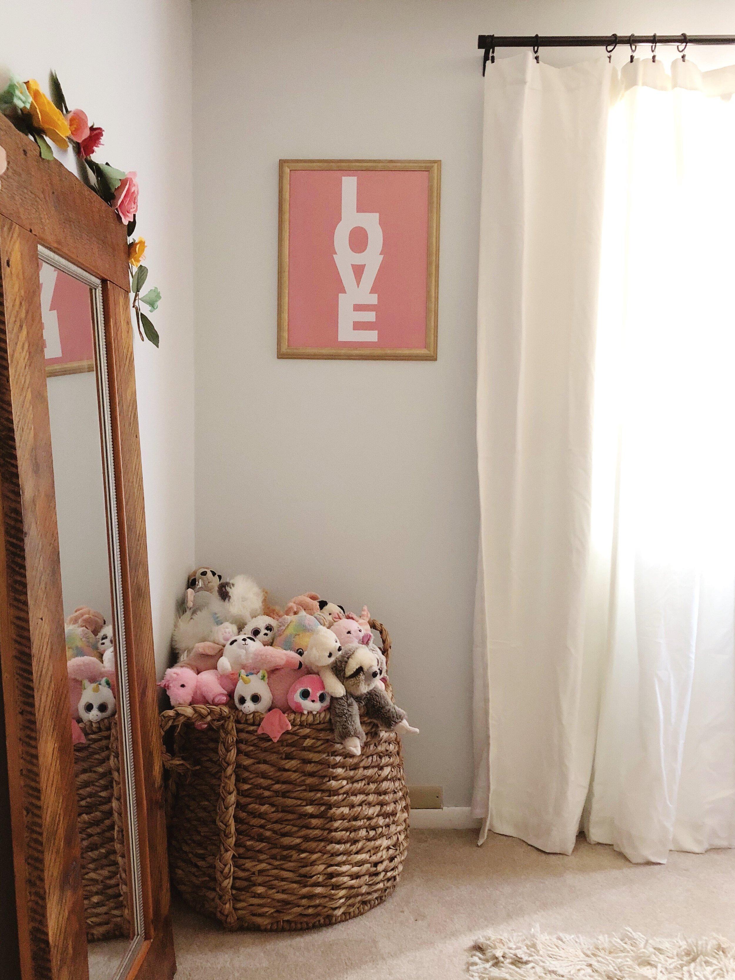 floral garland // girl's room // Kay & Edna