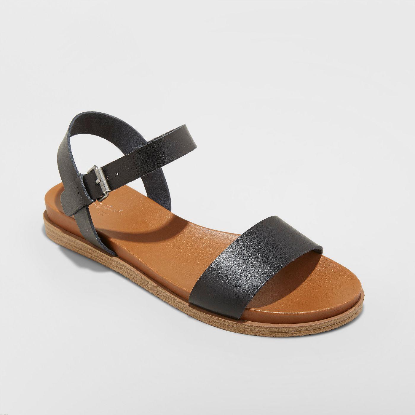 black_sandals.jpg