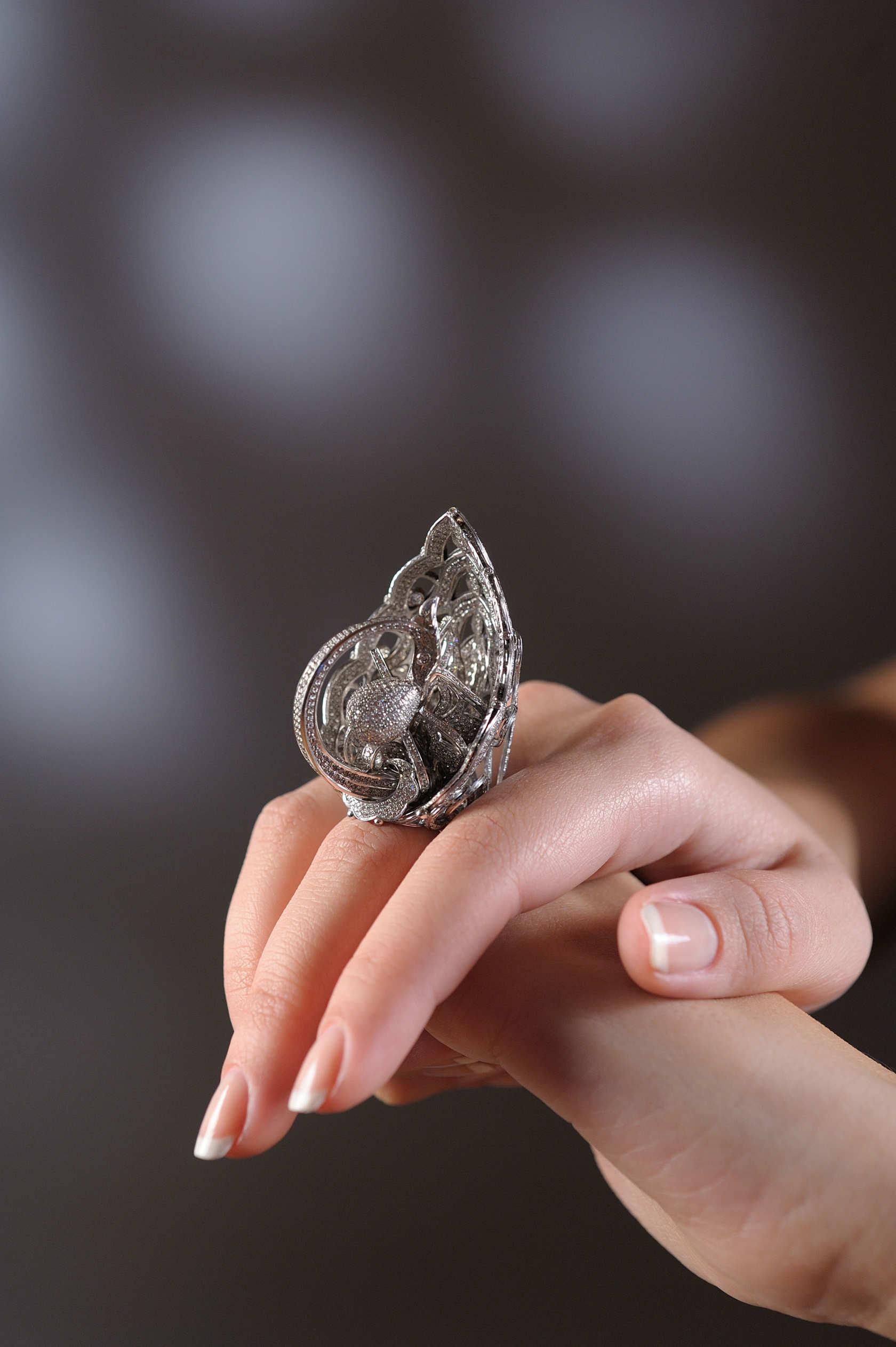 tsarevna-swan-ring-on-finger.jpg