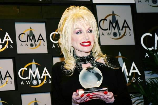 dolly-parton-cma-awards.jpg