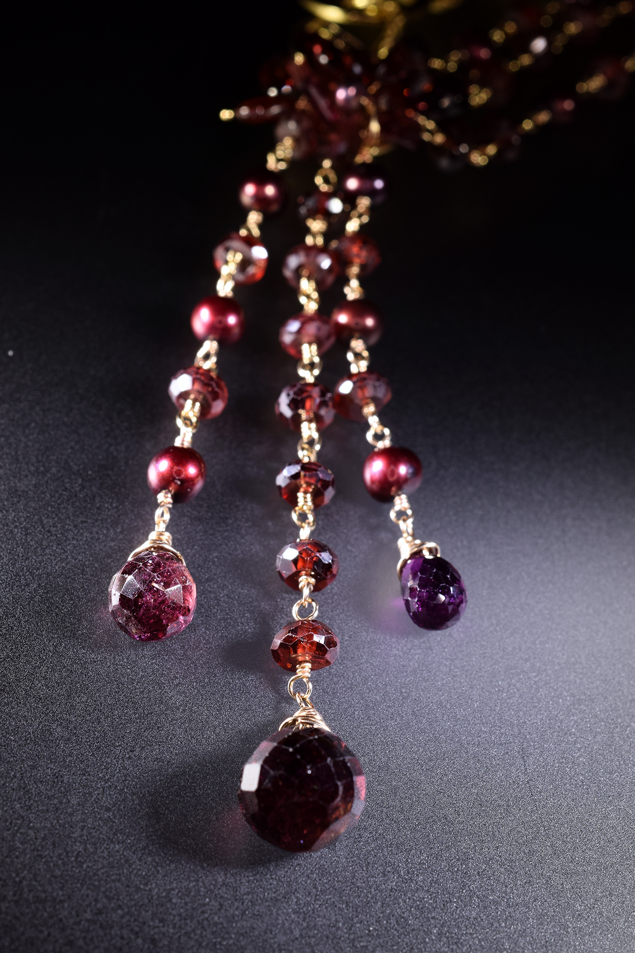 Multi chain garnet and pearl necklace