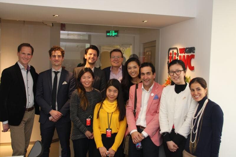 Dutch and Chinese start-ups together with Prince Constantijn van Oranje in Shanghai.