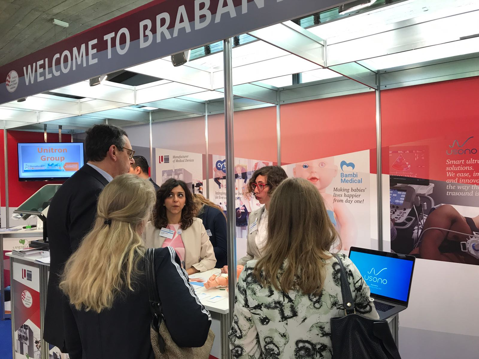 Bert Pauli, deputy for the province of Brabant visiting the Bambi Medical stand